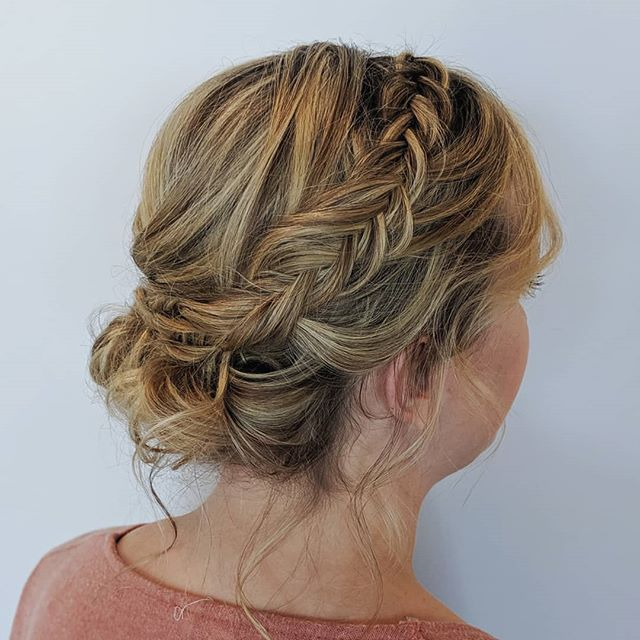 Yesterday's wedding was full of more low updos! I'm about to head out to my second wedding of the weekend. What do you think will be the most requested hairstyle today? I'm going to guess half up, half down... . . . #bellinghamweddings #weddinghair #bridalhair #bridesmaidhair #pnwwedding #lairmontmanor #weddinghairstyle #bridalbeauty #hairideas #vancouverhairstylist #vancouverwedding #updo #updoideas #seattlewedding #vancouverweddings #bellinghamwedding #bride #hairideas #halfuphalfdown #bellinghamhairstylist #seattlehairstylist