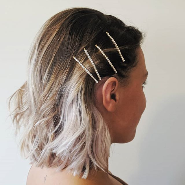 What's not to love about a beachy bob with bling? 💎😍 . . . #bellinghamweddings #weddinghair #bridalhair #bridesmaidhair #pnwwedding #lairmontmanor #weddinghairstyle #bridalbeauty #hairideas #vancouverhairstylist #vancouverwedding #updo #updoideas #seattlewedding #vancouverweddings #bellinghamwedding #bride #hairideas #halfuphalfdown #bellinghamhairstylist #seattlehairstylist