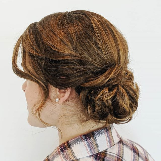 Another day, another low updo. This one was done on a bridesmaid with tons of hair. 😅 . . . #bellinghamweddings #weddinghair #bridalhair #bridesmaidhair #pnwwedding #lairmontmanor #weddinghairstyle #bridalbeauty #hairideas #vancouverhairstylist #vancouverwedding #updo #updoideas #seattlewedding #vancouverweddings #bellinghamwedding #bride #hairideas #halfuphalfdown #bellinghamhairstylist #seattlehairstylist