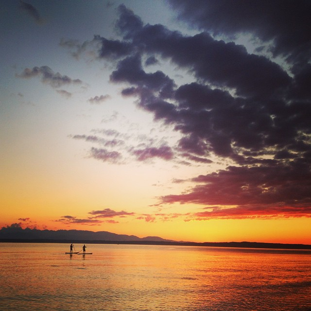 Amazing day in Seattle! Epic fire sky sunset #nofilter #noumberella #paddleboarding #summer