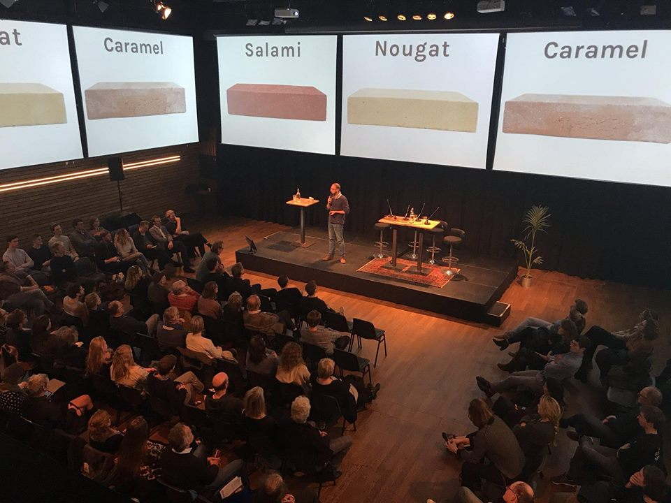 Jasper giving a presentation at Pakhuis de Zwijger