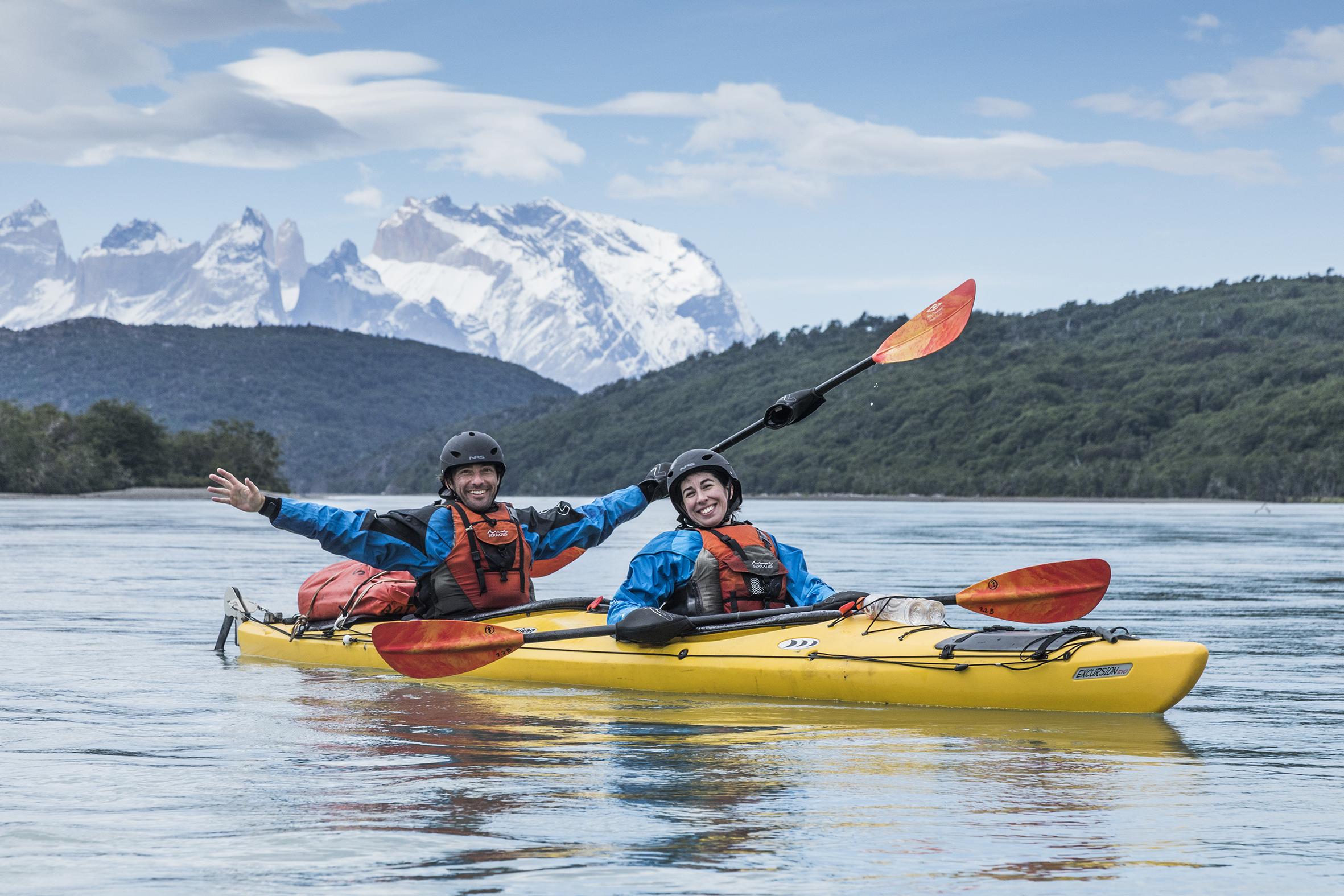 kayak en patagonia serrano river start guys.jpg