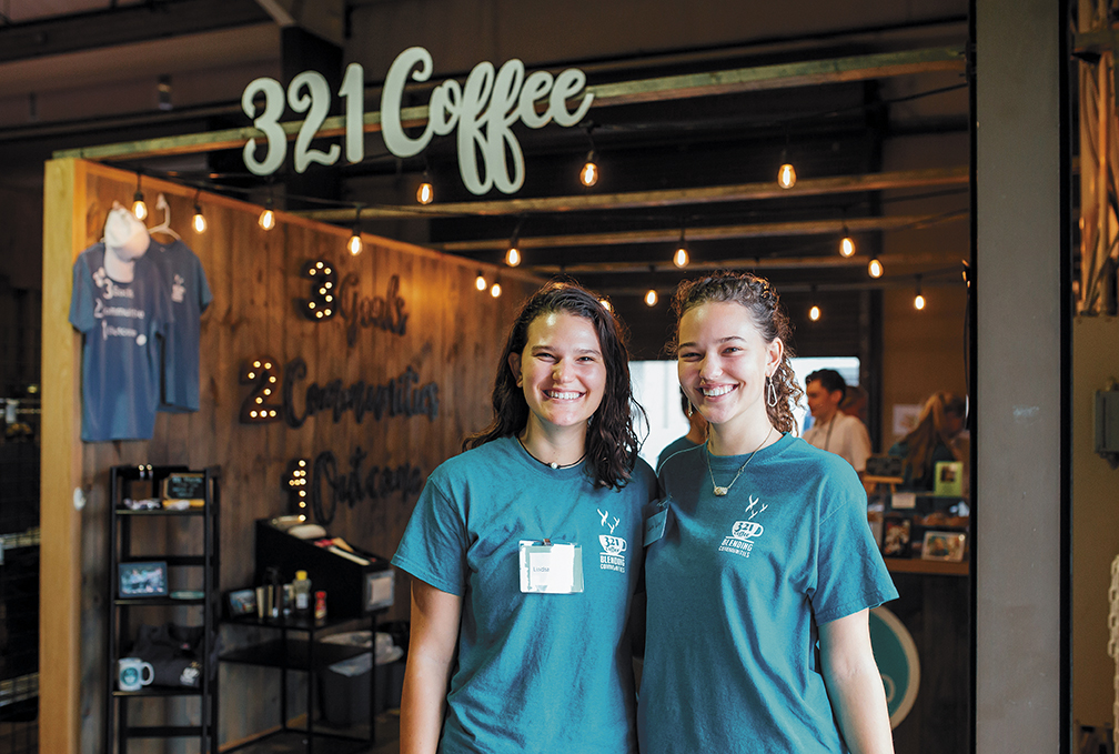 321 coffee founder lindsay wrege with sister kailey
