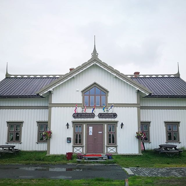 "💛 If you are planning to hike the NPL, I warmly recommend to stop by Umbukta Fjellstue🏡 Thor Inge, the owner, has himself crossed the country on foot twice, and was offering all the npl's a night for free👣🇧🇻 ::: I arrived in the early evening to find the restaurant closed and all rooms occupied. But one of the employees there, Sølve, rose to the occasion, and offered me to use the big party tent they had in the back as my camping spot⛺ And as for the restaurant being closed, well, that didn't stop Sølve from serving me food. His food, in fact. A huge plate of chicken and rice🍛🍴 ::: ""But Sølve, I cannot eat your food."" ""Aaach, I don't like rice much anyway."" 😂😍 ::: Umbukta had also received my package of resupply, so I went to my tent-within-a-tent and filled my backpack with all kinds of goodies 🍫🍫🍫 ::: #beautifulsouls #service #thruhiking #norgepålangs #NPL #pilgrimage #inceptiontent #umbuktafjellstue"