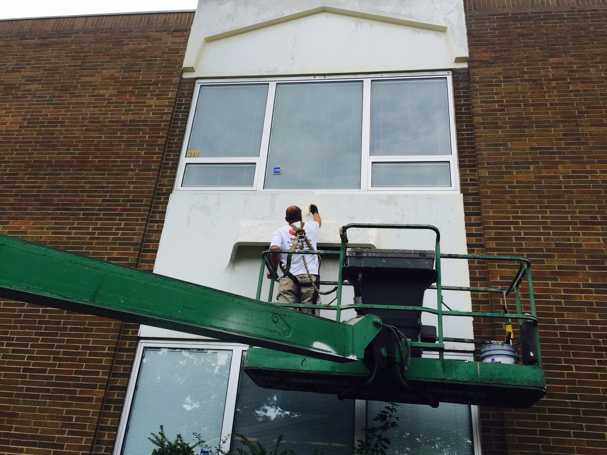Achieve remarkable results with dry weather painting,free from spring rain and the summer's humidity.