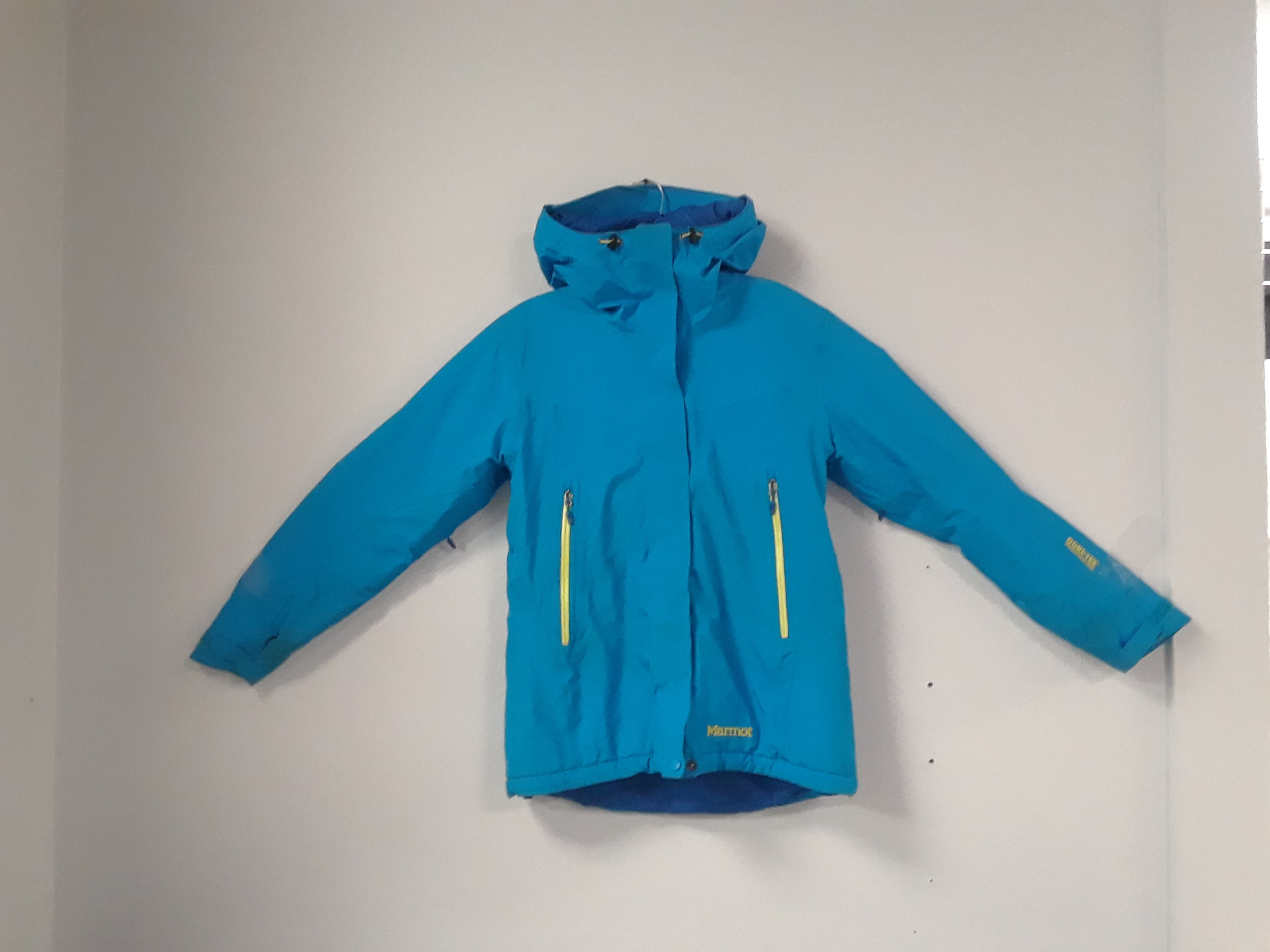 Stay warm and dry on the hill this season with this down insulated Marmot Gore-Tex Performance jacket. The size is a women's medium and we have it priced at $149.
