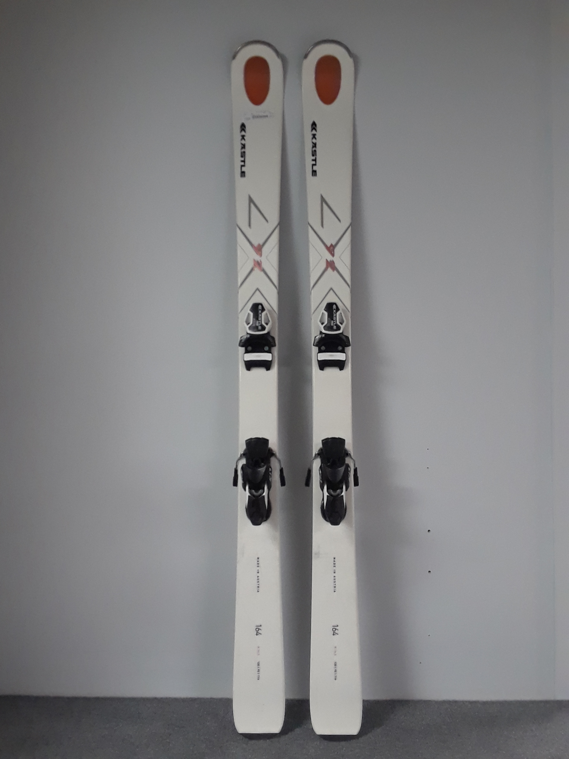Here's a pair for those deep in-bounds days. The 164 Kastle LX 92 is wide enough to provide the float needed in deep pow but flexible enough to where you don't have to be hoss to turn them. MSRP for the planks is listed at $1,099 (not including binding) and we have the price at $499.