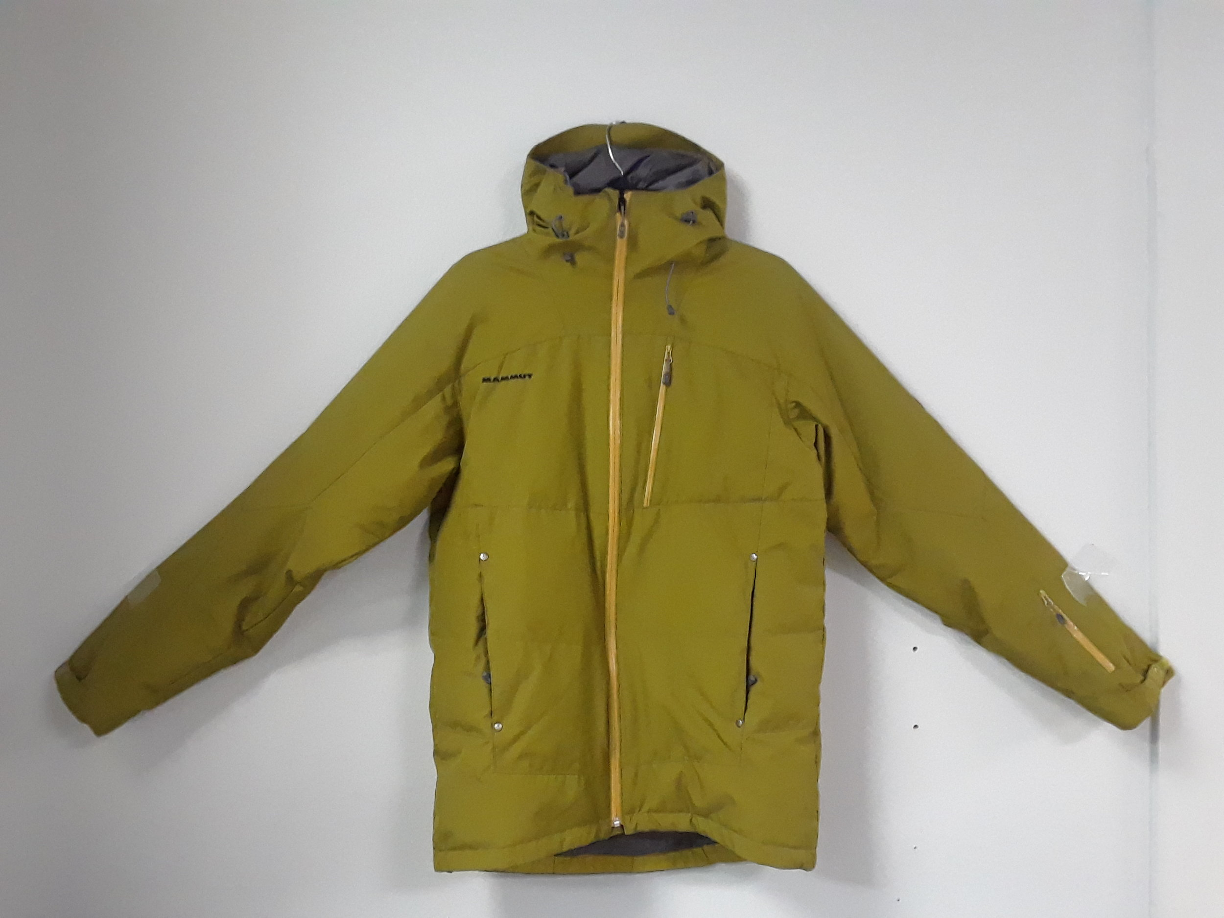 Here's another great resort jacket for those frigid days. The Mammut Cruise with 650 down filling will give you the ratio of warmth and waterproofing that you need. We have this $400 jacket listed at $199 and the size is a men's medium.