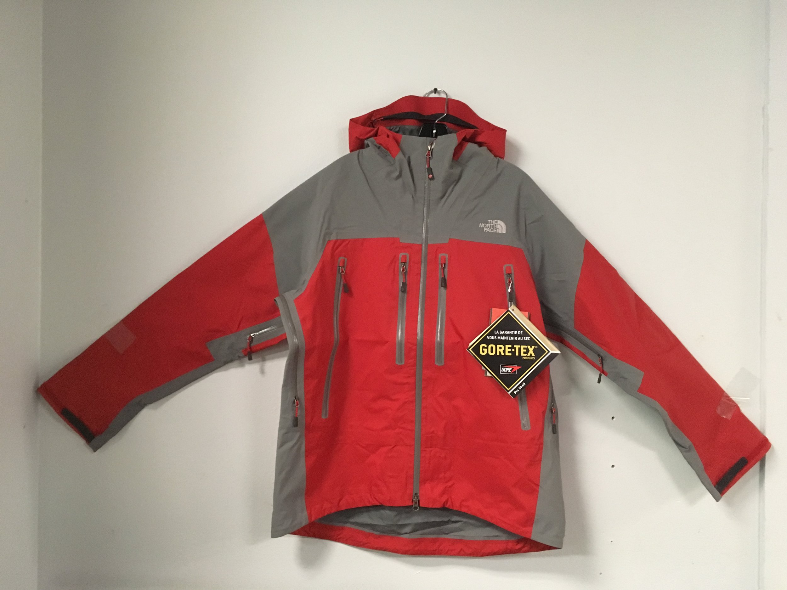 If you got wet riding today you need this jacket! The North Face Mammtus jacket features Gore Tex Pro Shell fabric with large pit zips to keep you vented as well. Retail on the jacket is $450 but we have it priced at $250 and the size is a men's large.