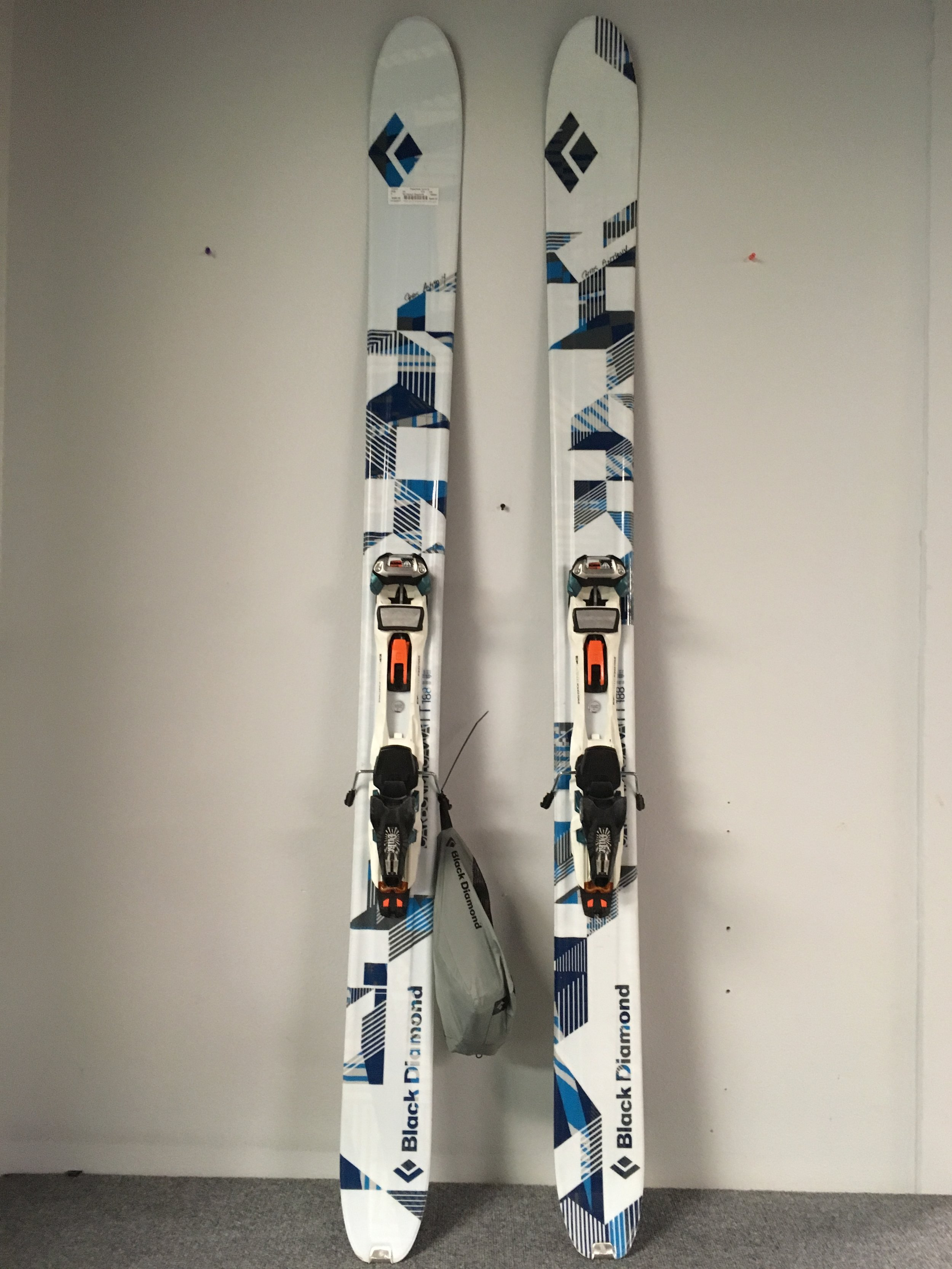 One way ticket to pow town! BD's carbon megawatt with Marker Duke 16 and skins. The whole setup new would cost up to $1,200 but we have it listed at $449!