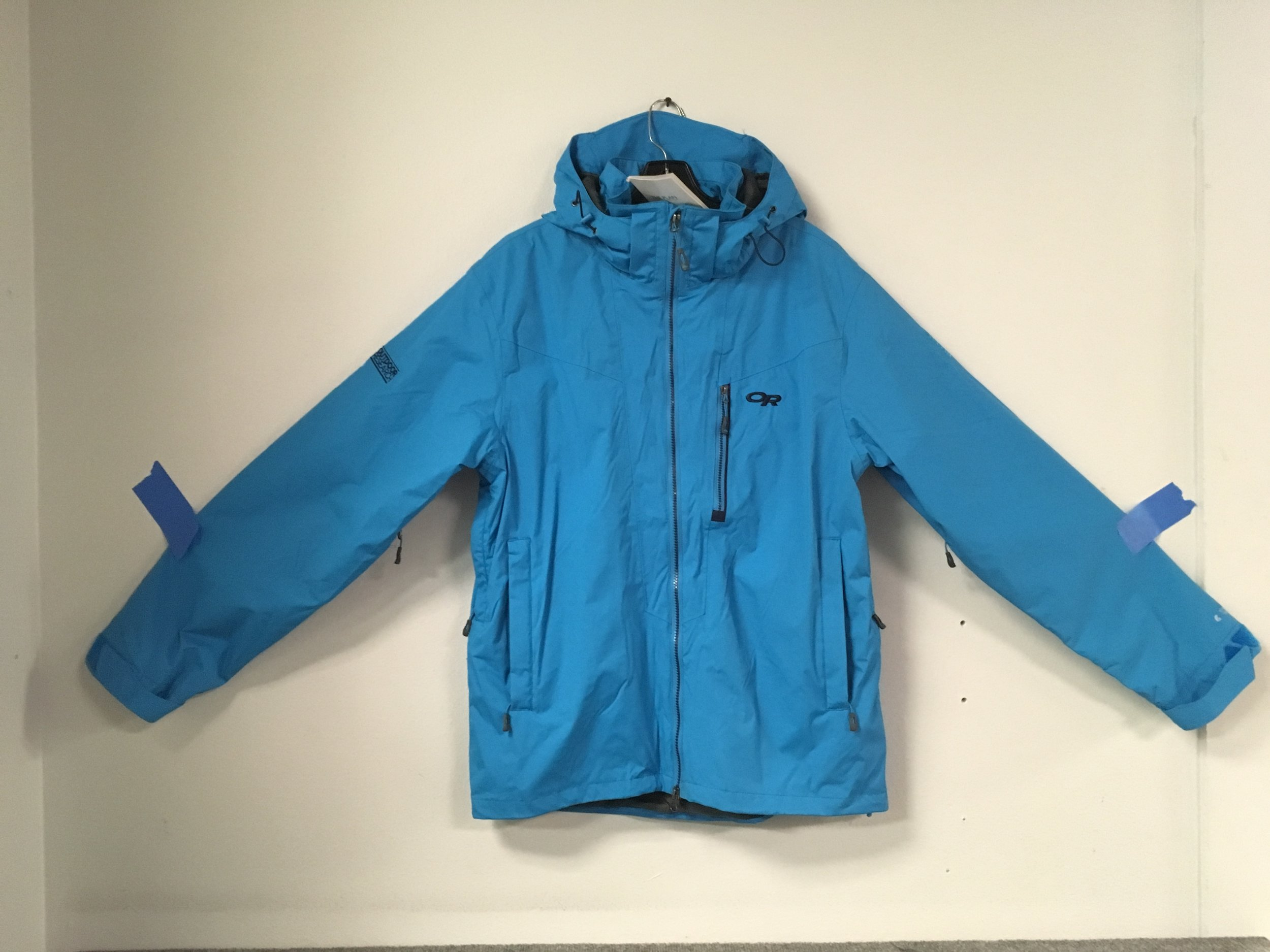 Just got OR's Igneo jacket in brand new! The Igneo features pretex fabric that is waterproof, windproof, and breathable.Retail is listed at $349 but we have you covered at $169! The size is a men's medium.