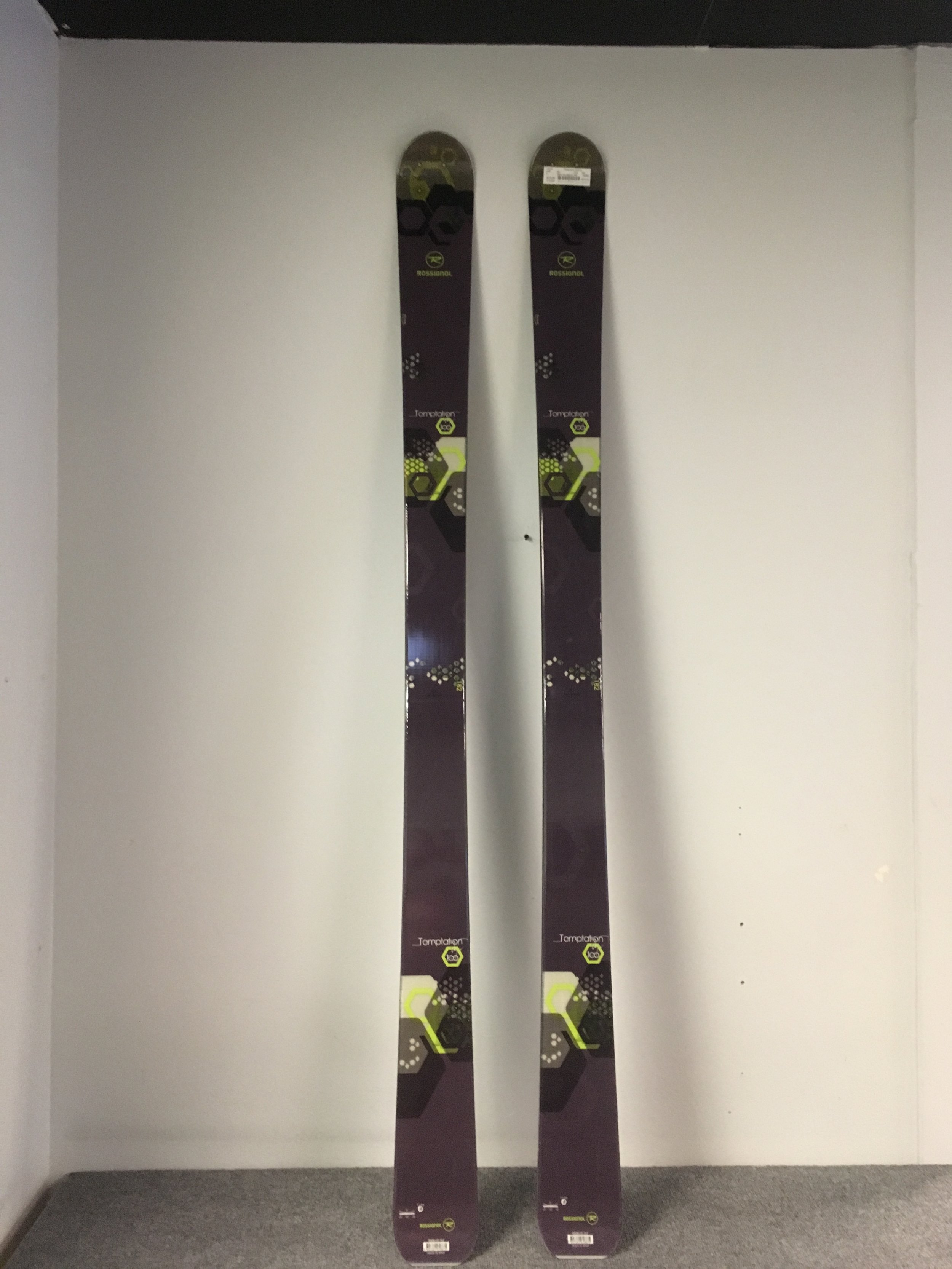 Get your carve on with some unmounted 2015 Rossignol Temptation 100's. By combining the 100mm waist with a boat load of camber under foot the Temptation can charge just about anything you throw at it. Original retail was listed at $850 but we can you shredding for $219! The length is 182.