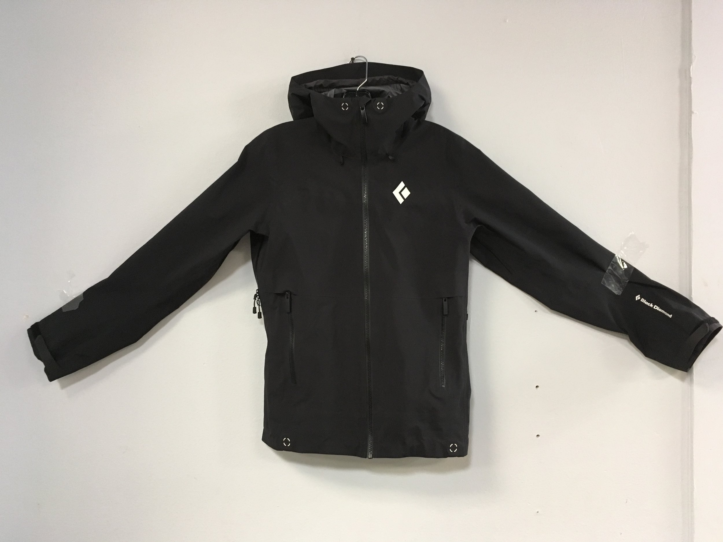 Looking for that new mountaineering shell? The Black Diamond Sharp End is one of the nicest alpine shells on the market! The jacket features Gore-Tex Pro Fabric that is lightweight, waterproof, and durable. Retail for the Sharp End is listed at $550 but you can pick it up for $274! The size is a woman's small.