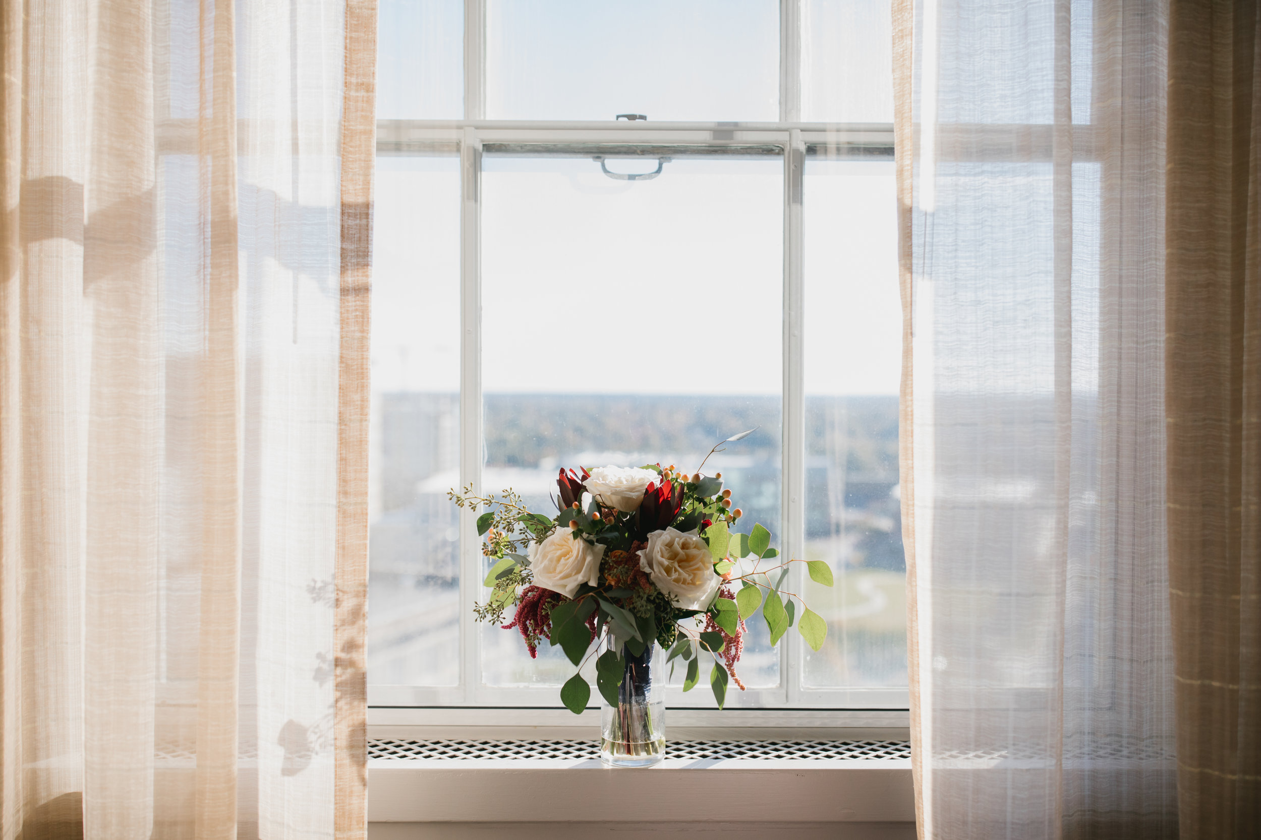 Kate + Matt's wedding at 21c Museum Hotel in Durham | wedding + portrait photographer in Durahm, NC | Merritt Chesson Photography