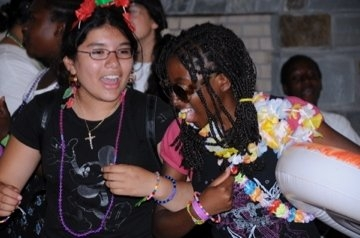 Nathaly (left) with a fellow Fiver participant during TAP