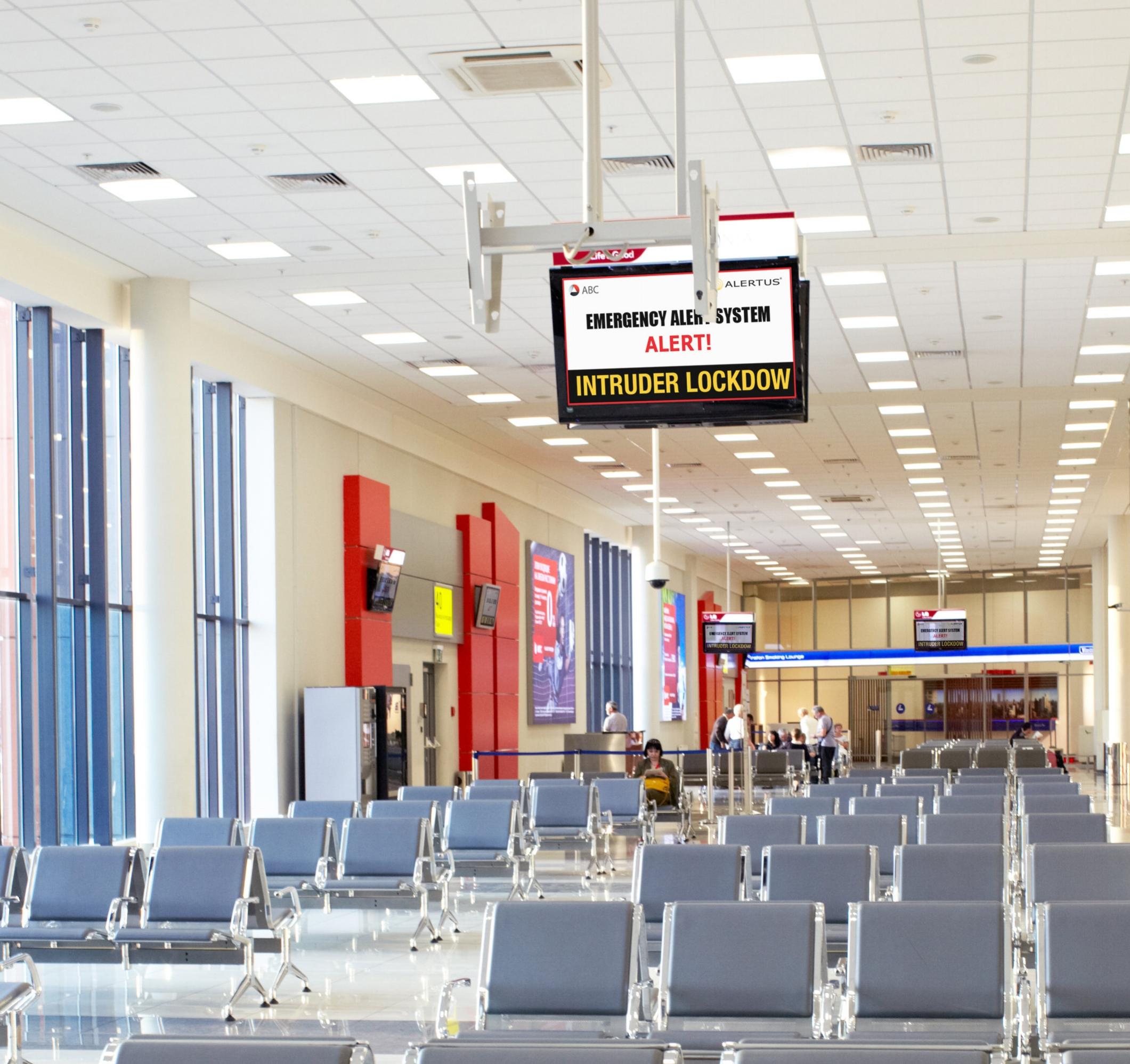 DM_03242016_0883_airport_digital_signage_high_res.jpg