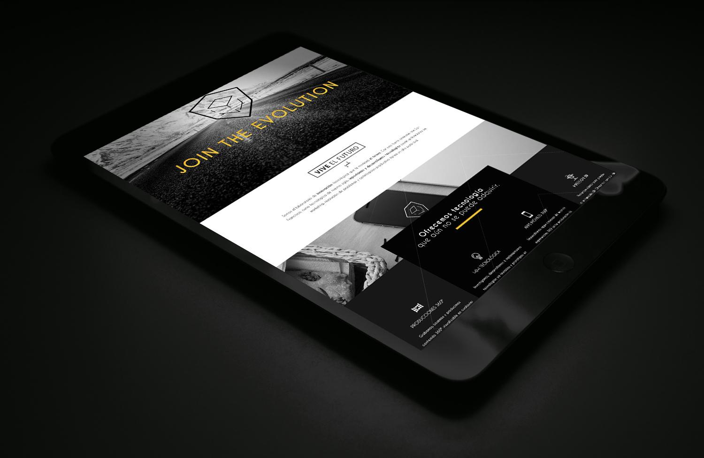 iPad MockUp-PERCEPTIONHUB.jpg