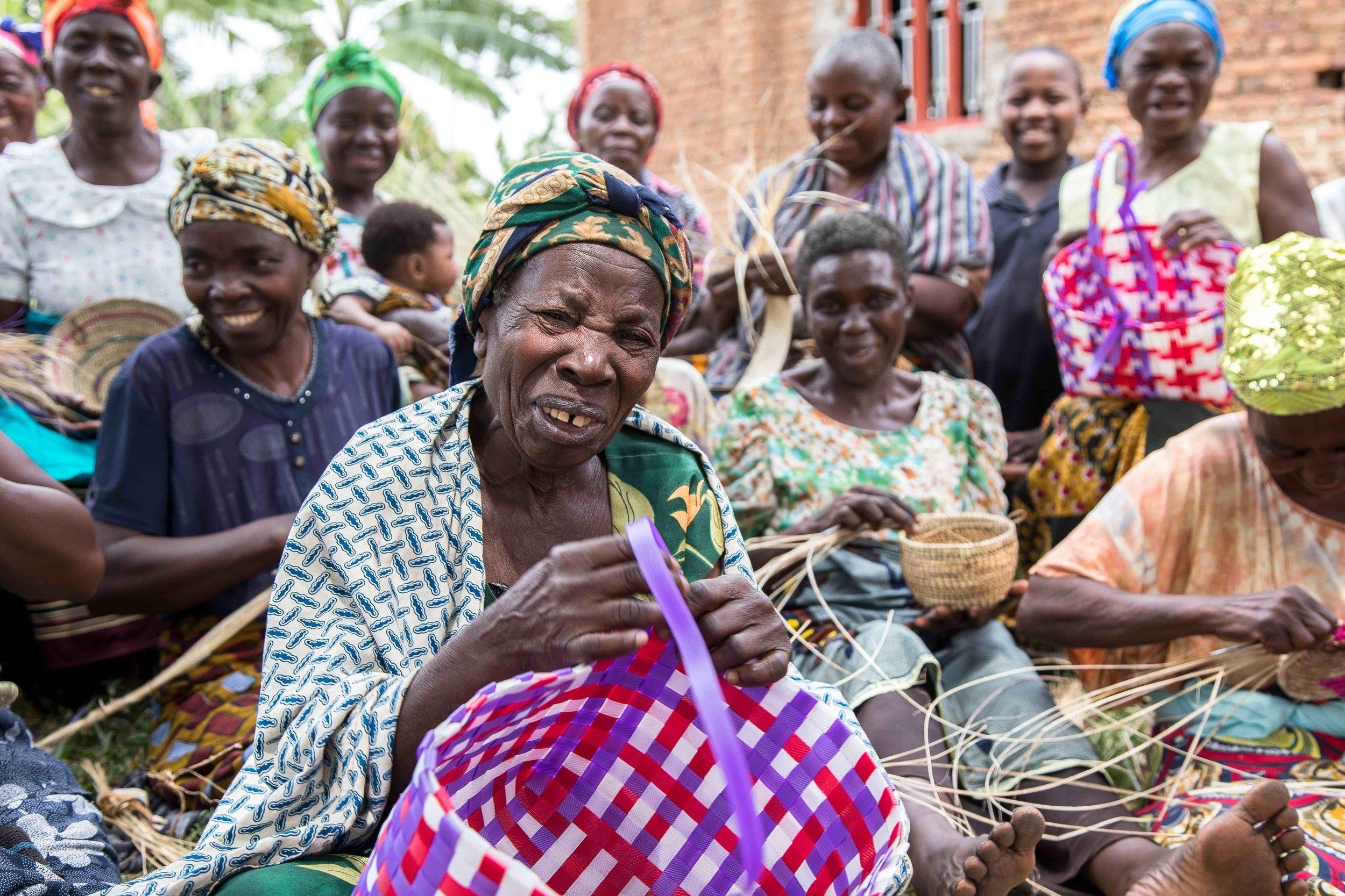 Adam Dickens 2017 - Deki Uganda - Kamasasa Cell - Handcrafts 12.jpg