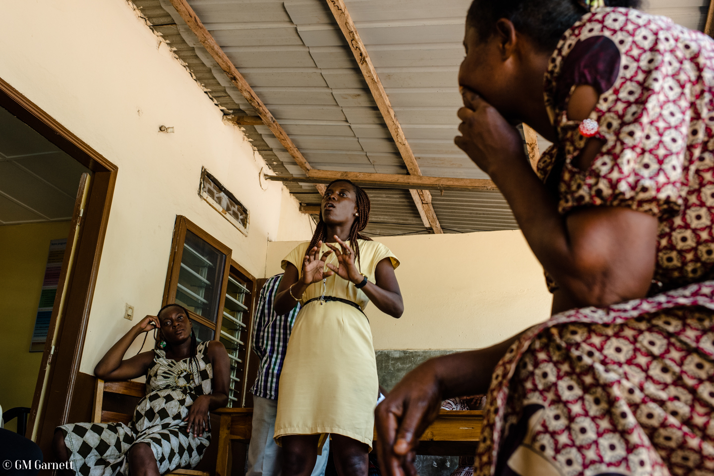 IADES provide workshops on business practice, gender equality and domestic violence to strengthen the community of women who receive 90% of IADES' loans.