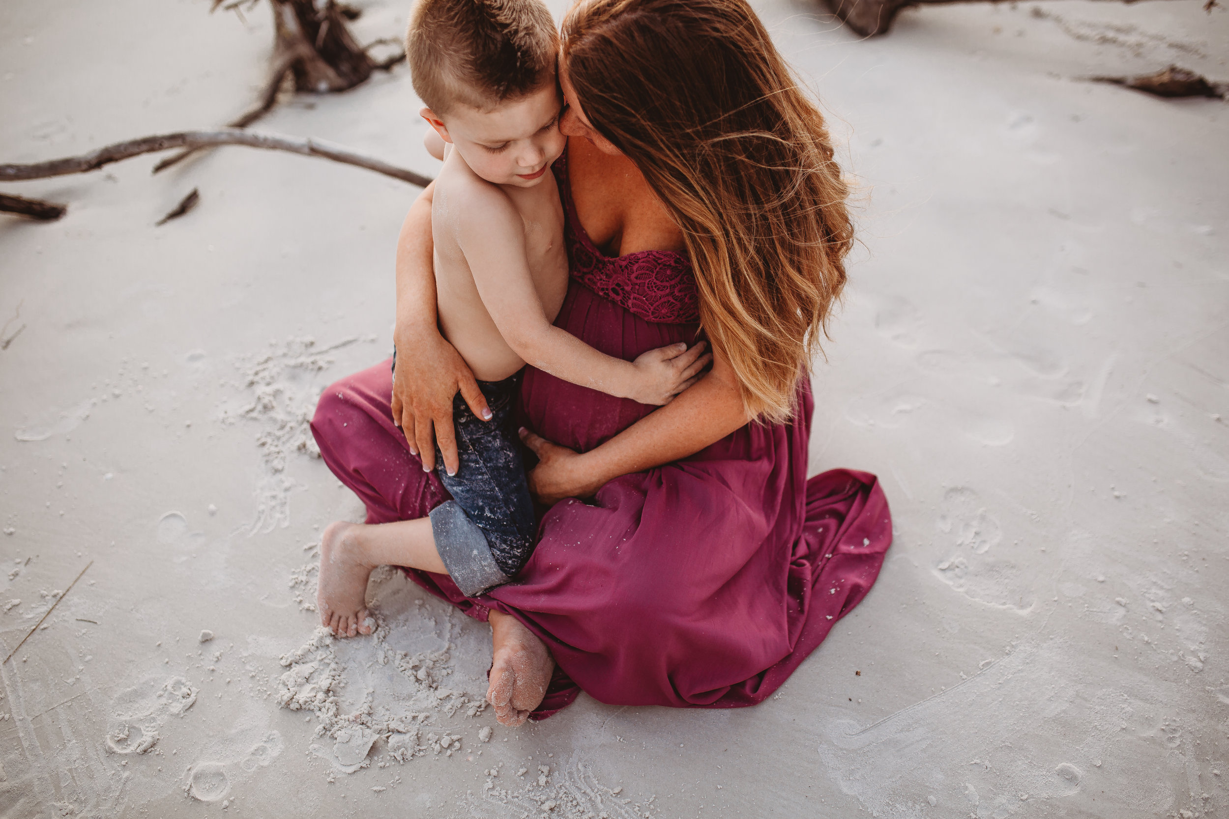 lifestyle maternity photographer, Tampa Bay Area fl