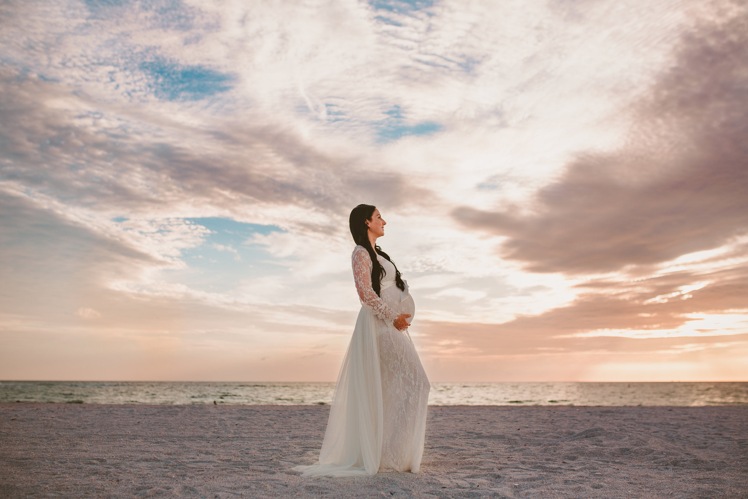 sunset portraits of pregnancy, tampa Bay Area