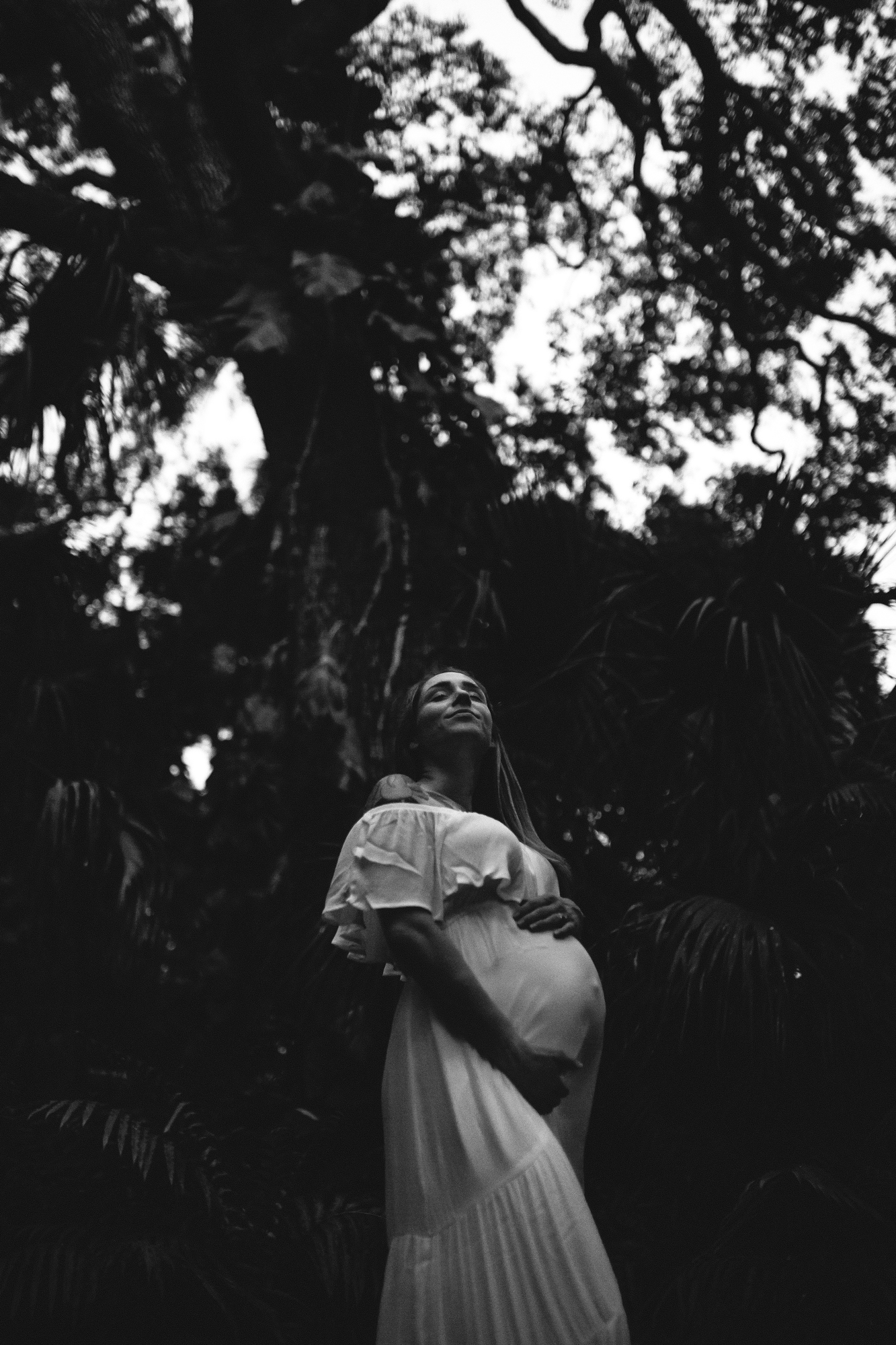black and white maternity portraits, tampa bay fl