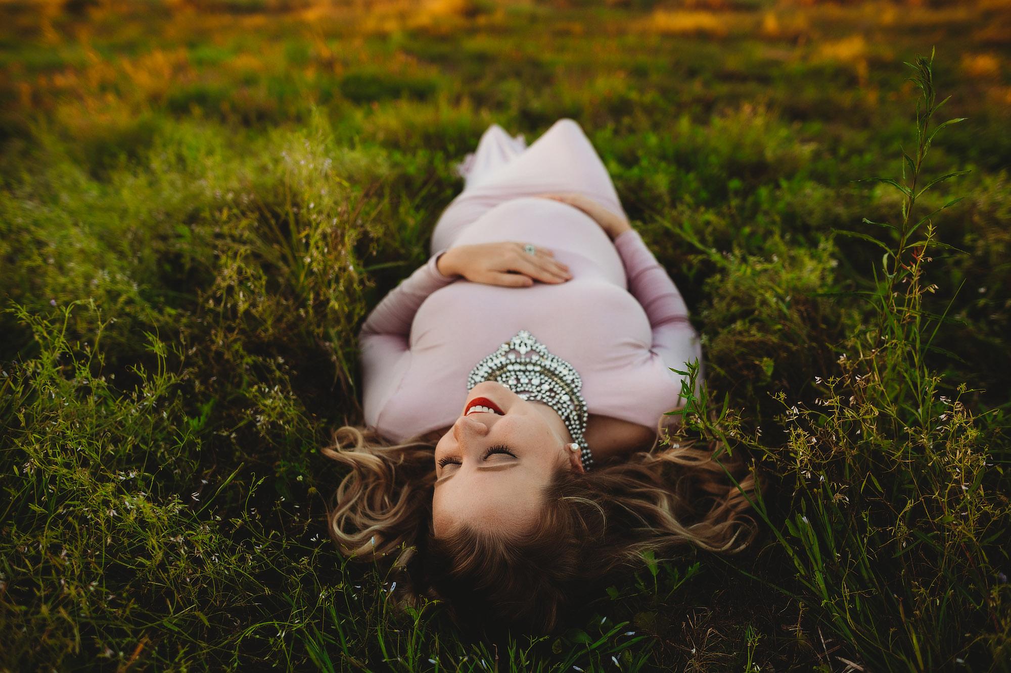 artsy maternity photography, beach maternity portraits at st Pete fl