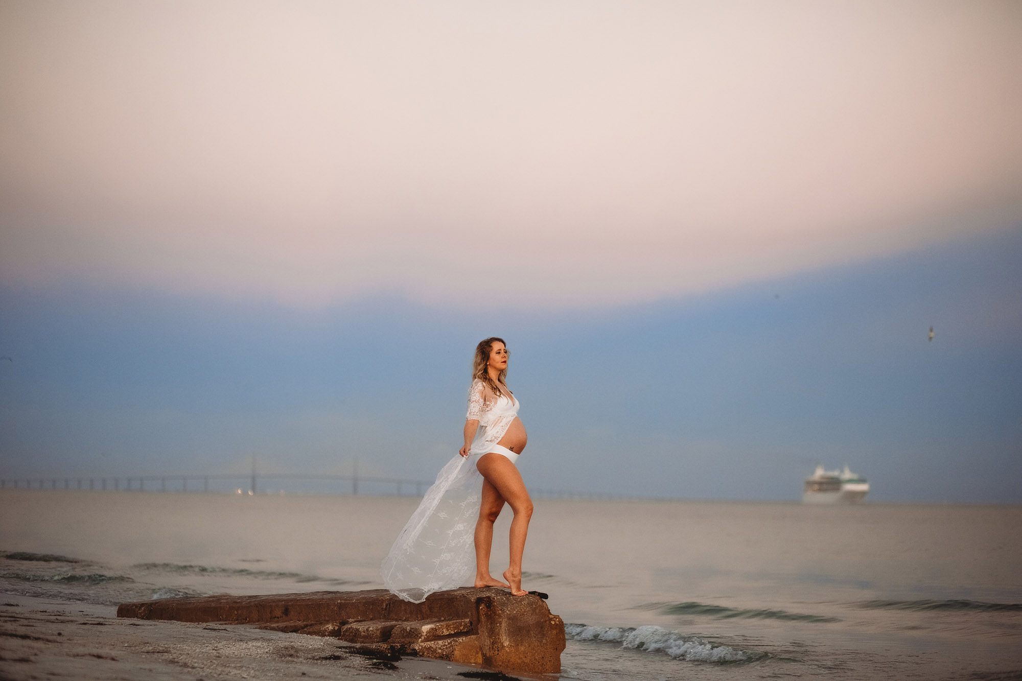 sunset beach maternity pictures, maternity photography at the beach