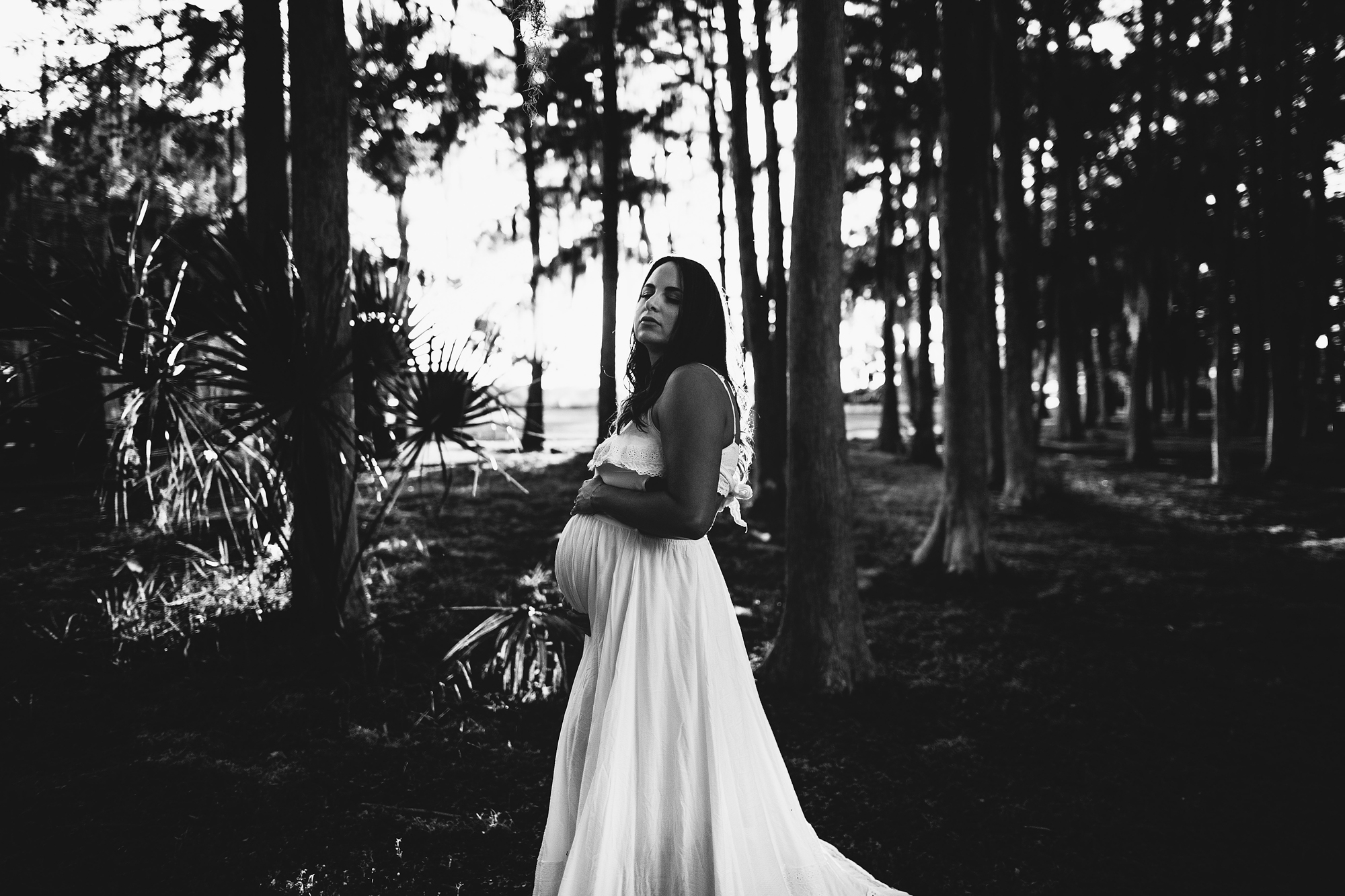 black and white pregnancy photography, tampa bay baby photographer