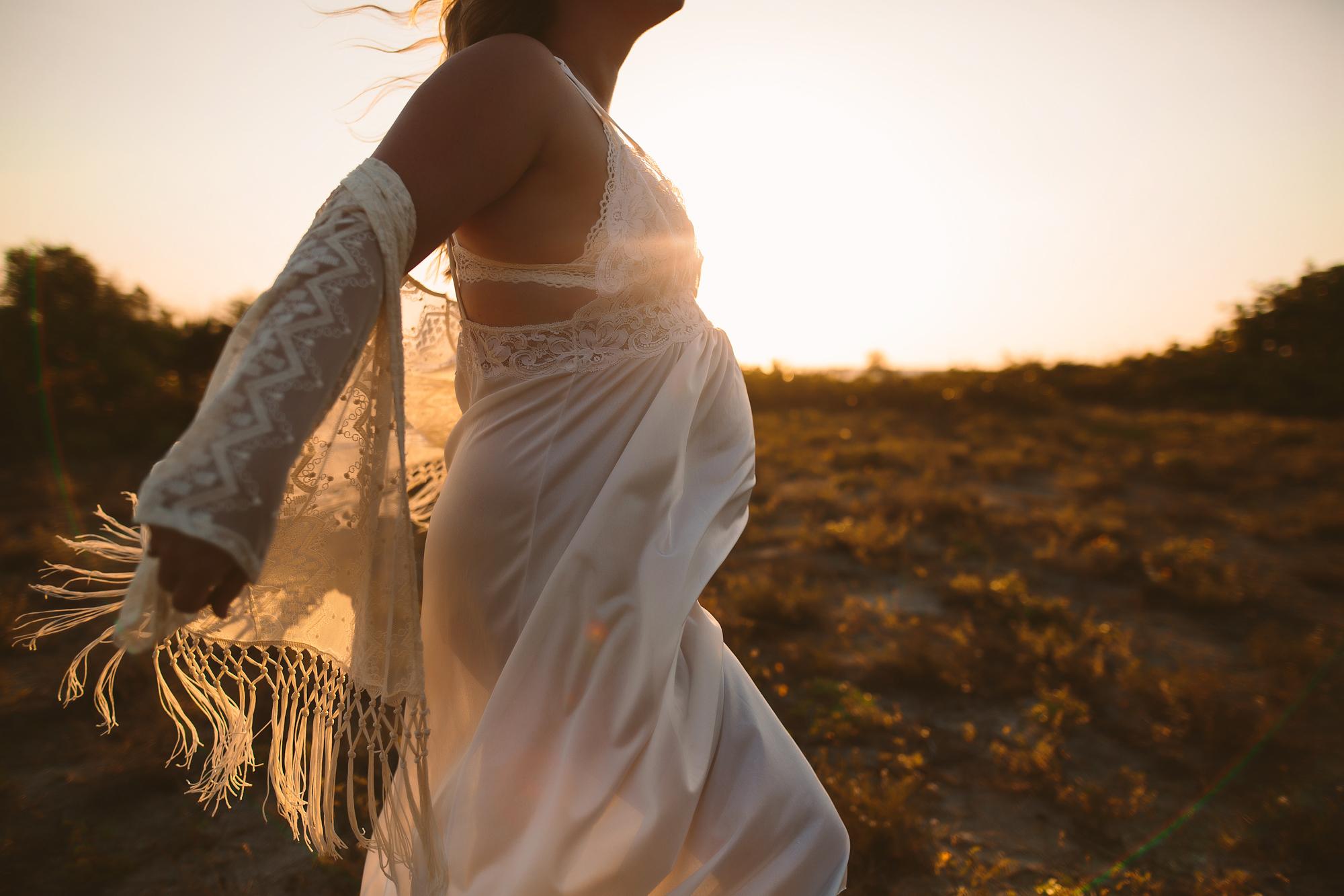 pregnancy beach photo shoot, lifestyle maternity photographer tampa
