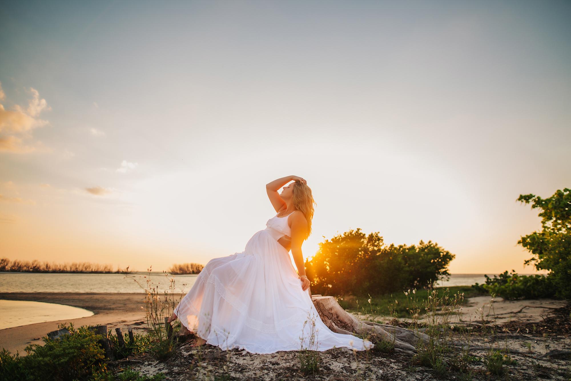 sunset beach maternity photo shoot, saint petersburg baby photographer