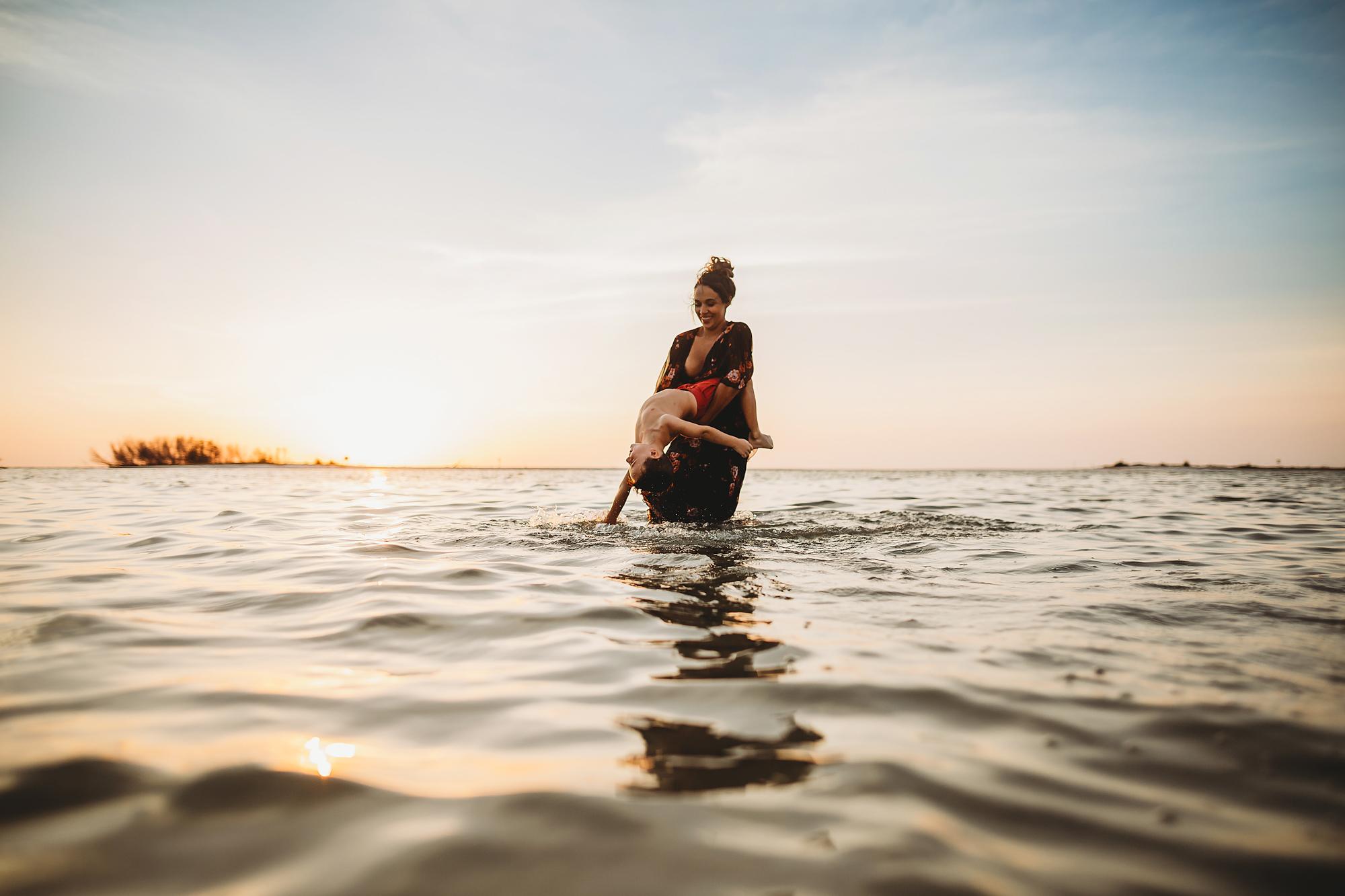 lifestyle family photographs, beach family photos pinellas