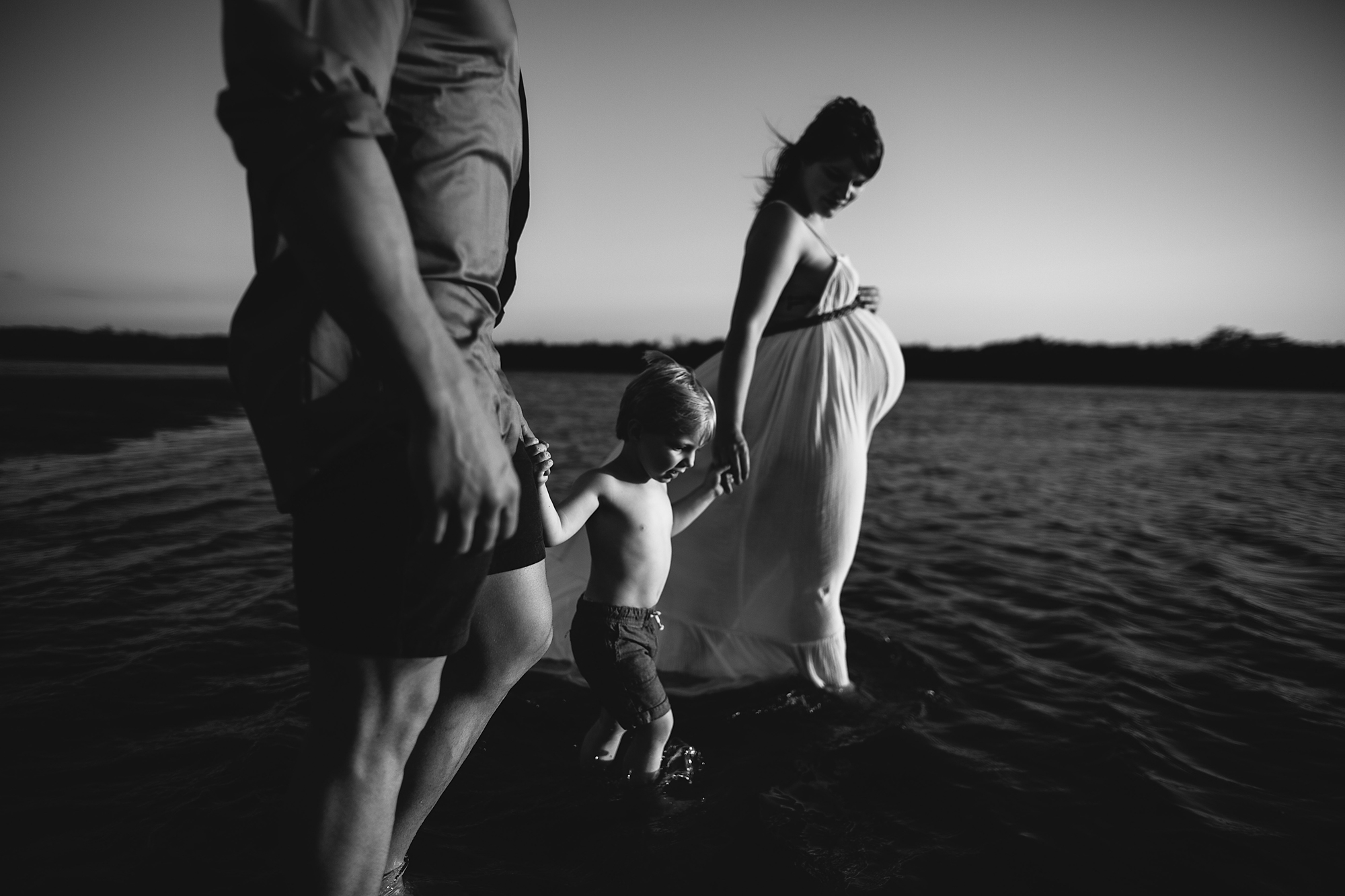 maternity photos with toddler