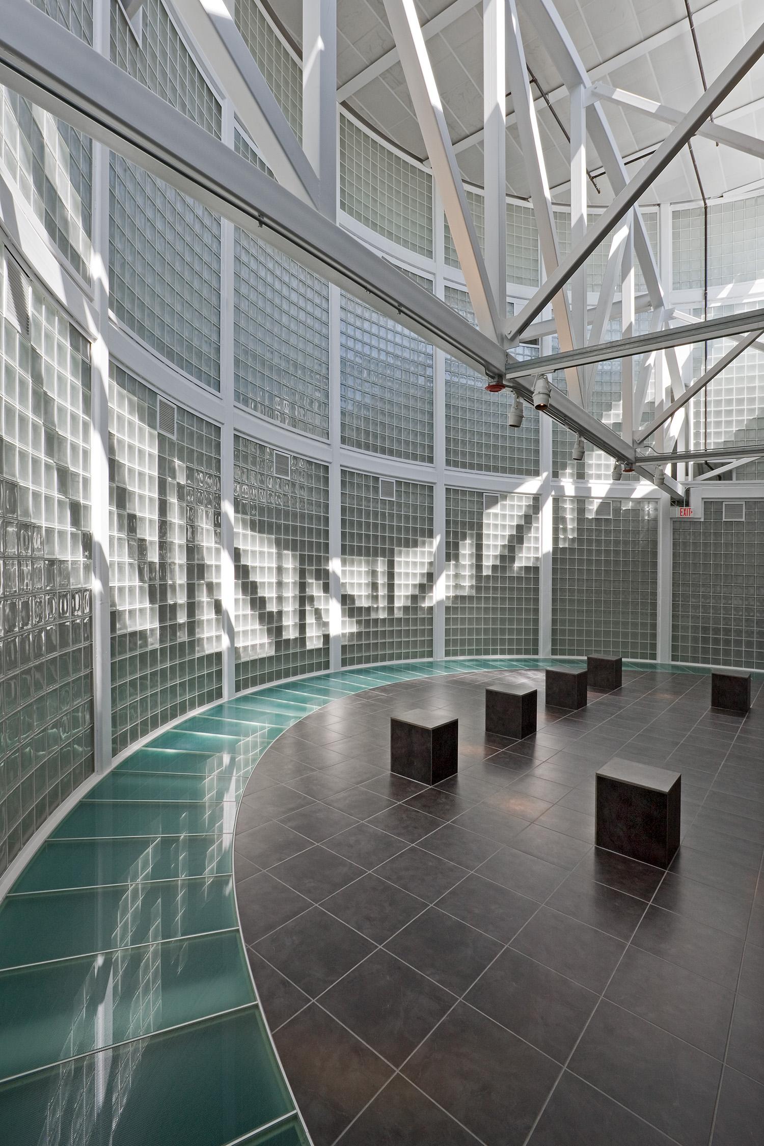 Illinois Holocaust Museum & Education Center / Skokie IL / Stanley Tigerman