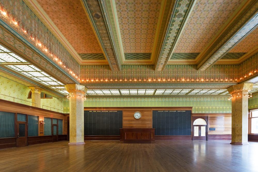 Chicago Stock Exchange Trading Room / Adler & Sullivan / Art Institute of Chicago / Restoration by John Vinci