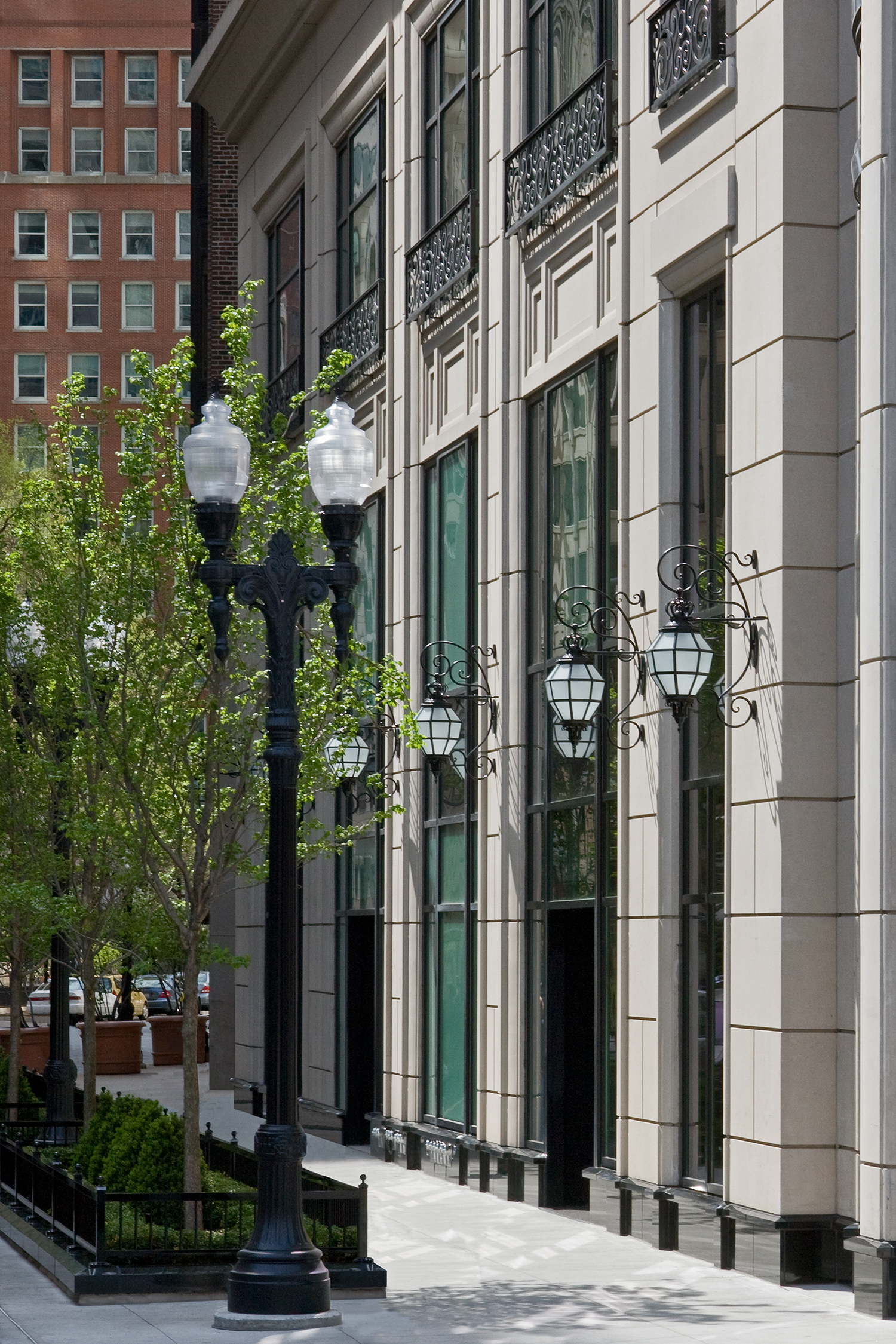 Waldorf Astoria Hotel and Residences / Chicago / Lucien Lagrange