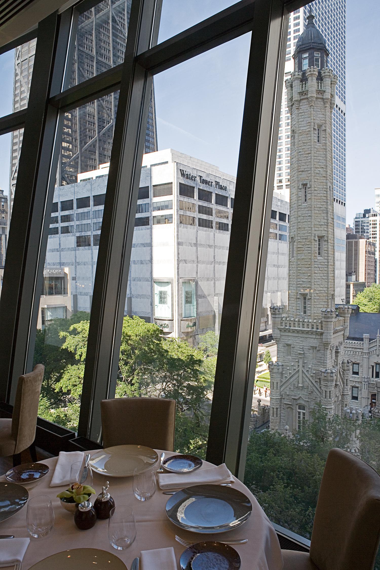 Park Tower / Chicago / Lucien Lagrange