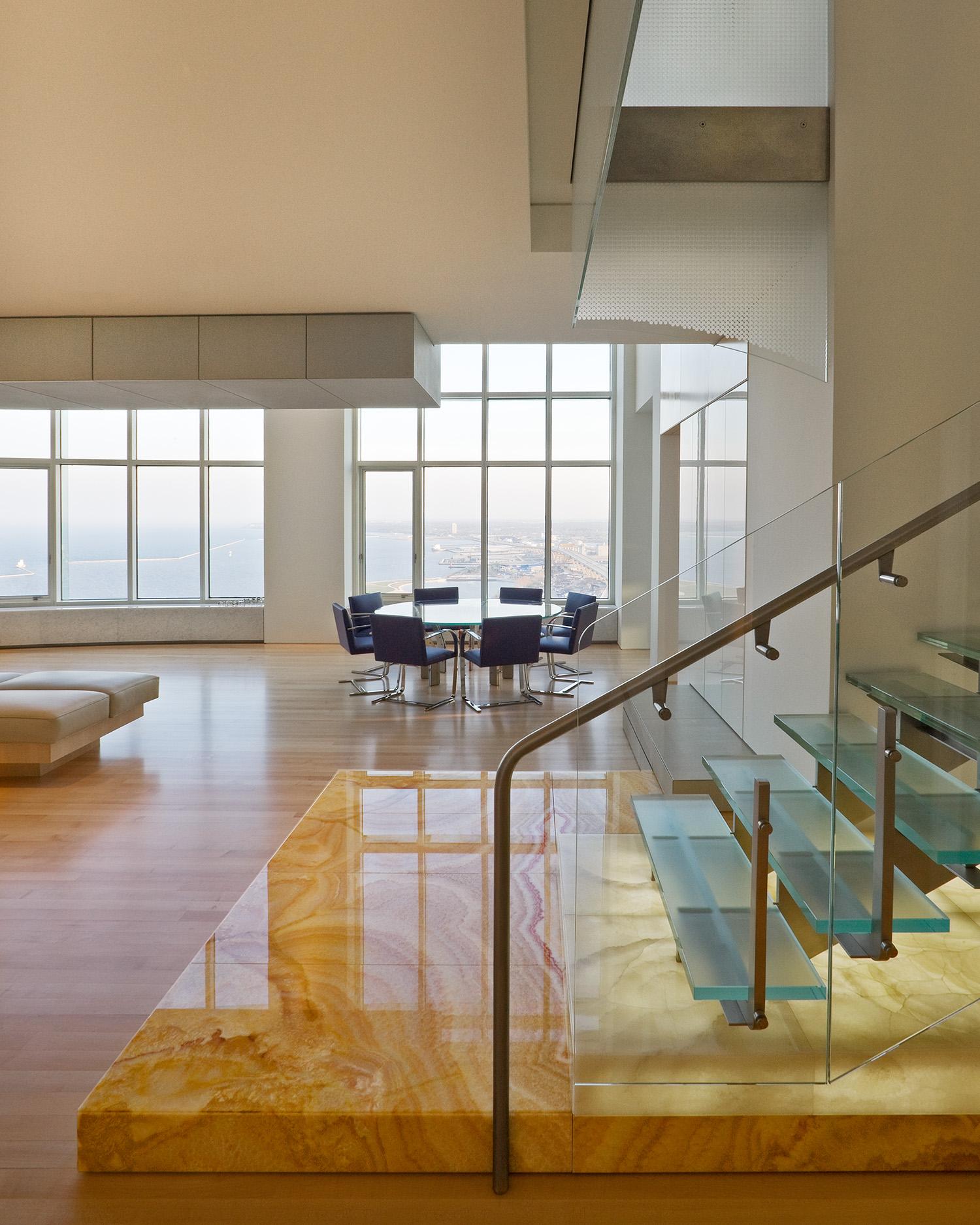 Milwaukee Penthouse / Krueck and Sexton