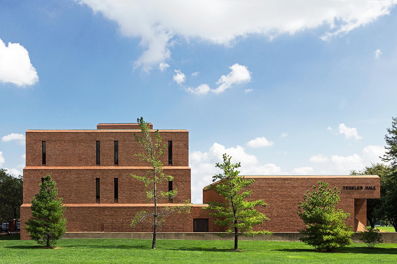 Tegeler Hall / St. Louis University /  Smith & Entzeroth / St. Louis MO