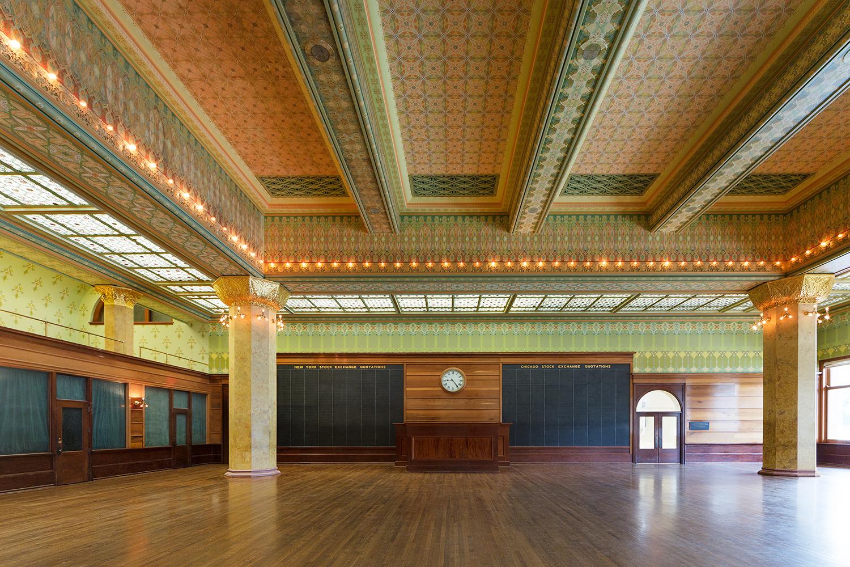 Art Institute of Chicago / Chicago Stock Exchange Trading Room / Adler & Sullivan / Restoration by John Vinci