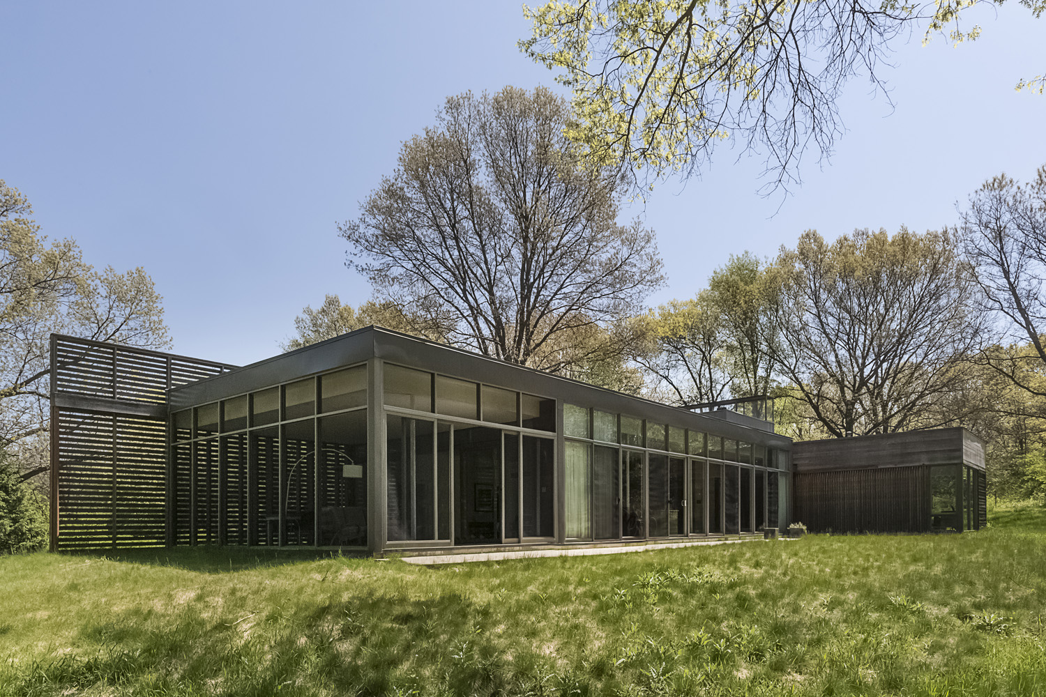 Coffou Residence / Michigan City IN / Brininstool + Lynch Architects / For the New York Times