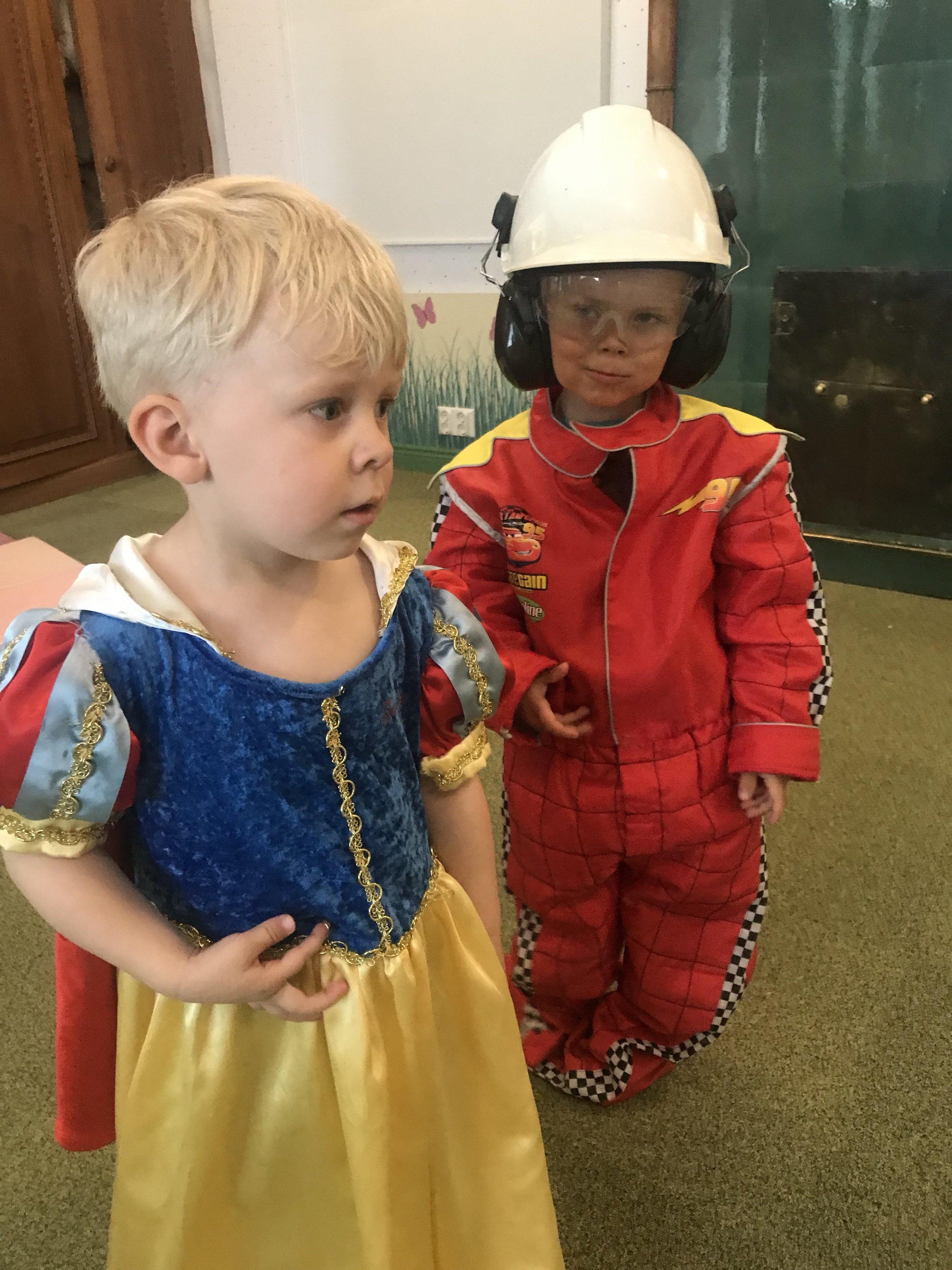 Muistetaan että jos lapsi haluaa leikkiä prinsessaa, sitten hän myös saa leikkiä!