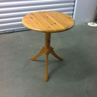 0166: Small Round Wood Table