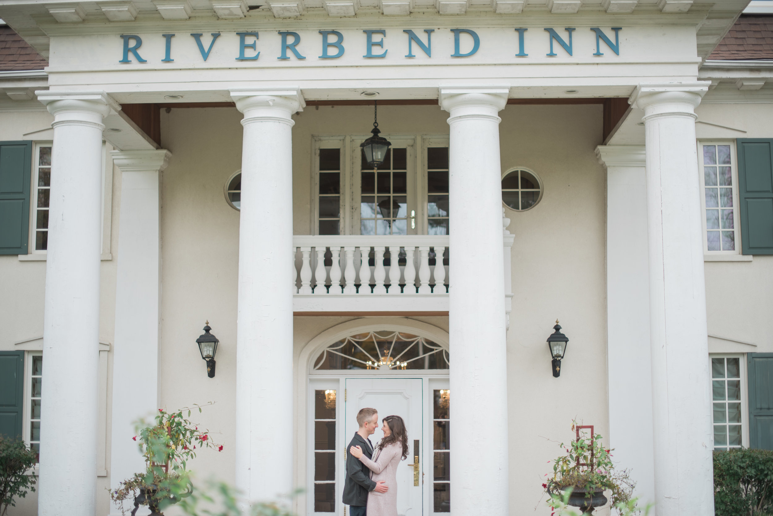 riverbend inn engagement photographer