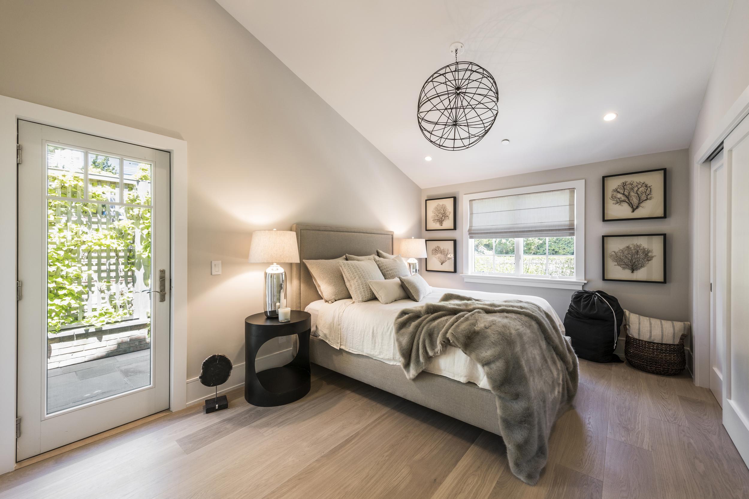 SS5- 22- Upstairs bedroom.jpg