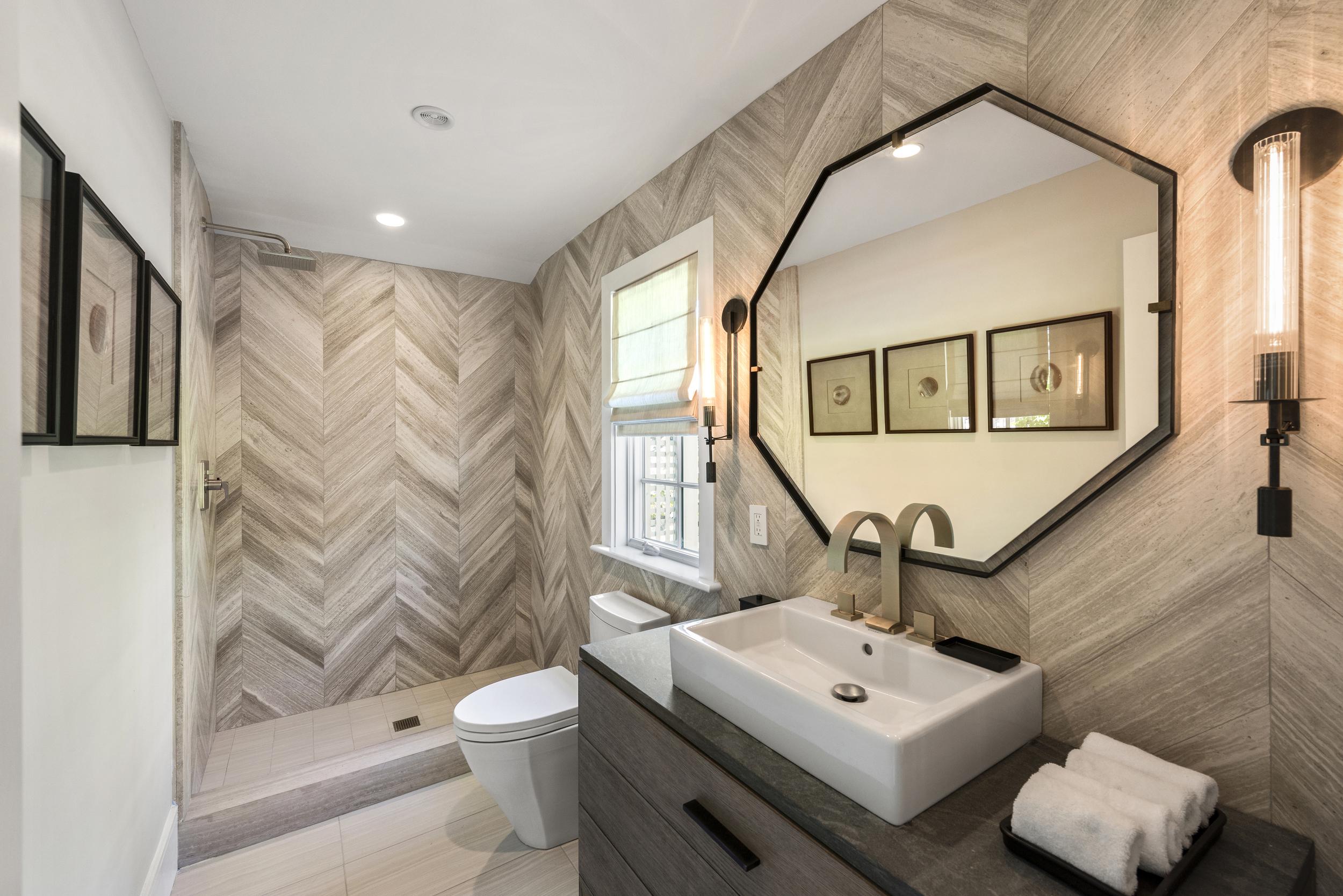 SS5- 20- Bathroom_1.jpg