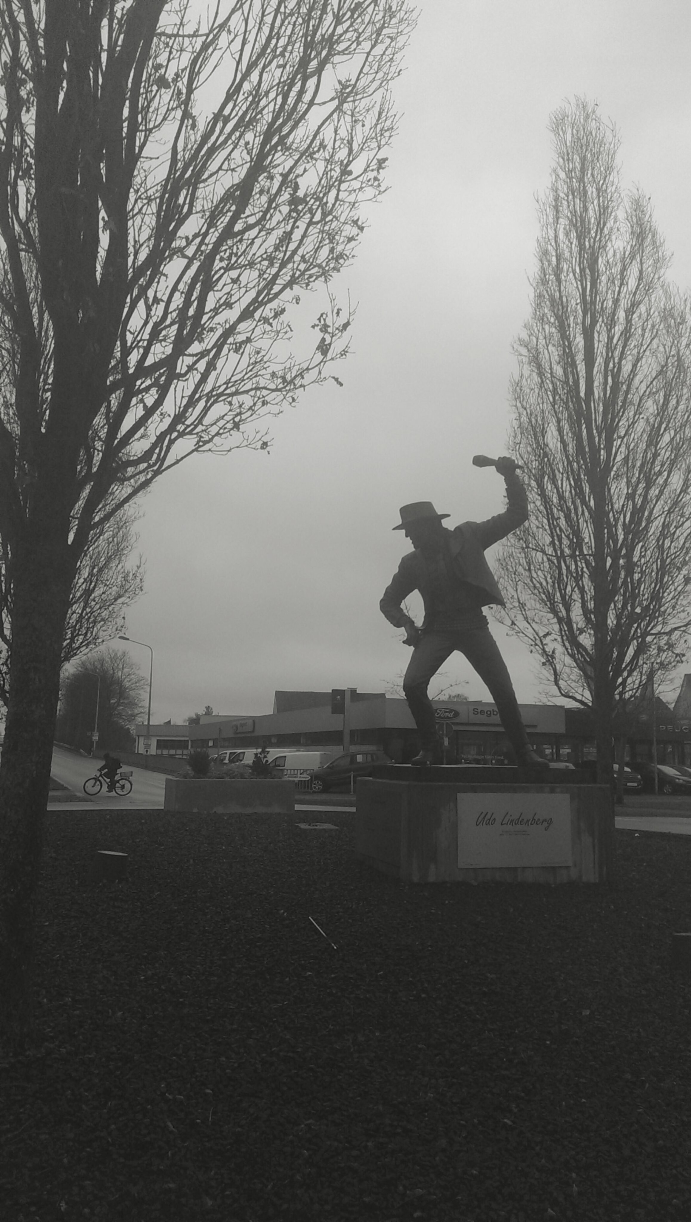 This isn't in Essen anymore, but a bit farther north. You can tell by the statue of  Udo Lindenberg that it's Gronau.  Here's an Udo example.