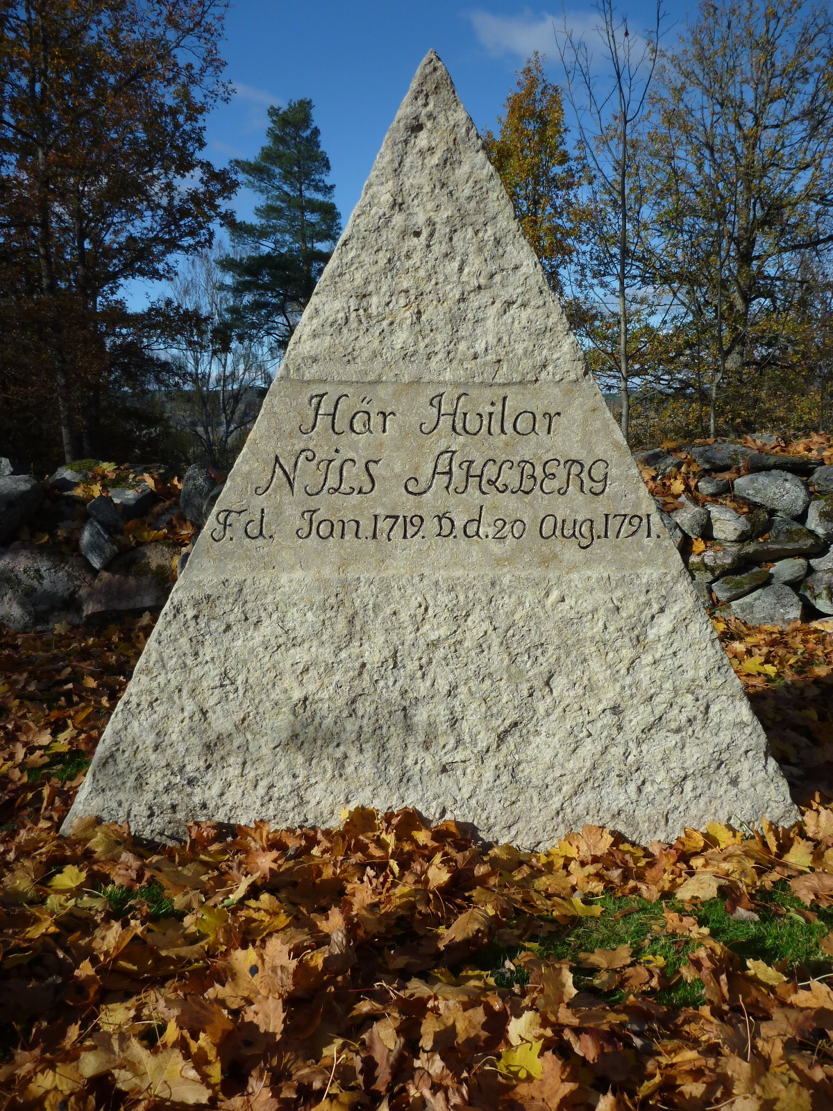 Åsbräcka kyrkogård 2013