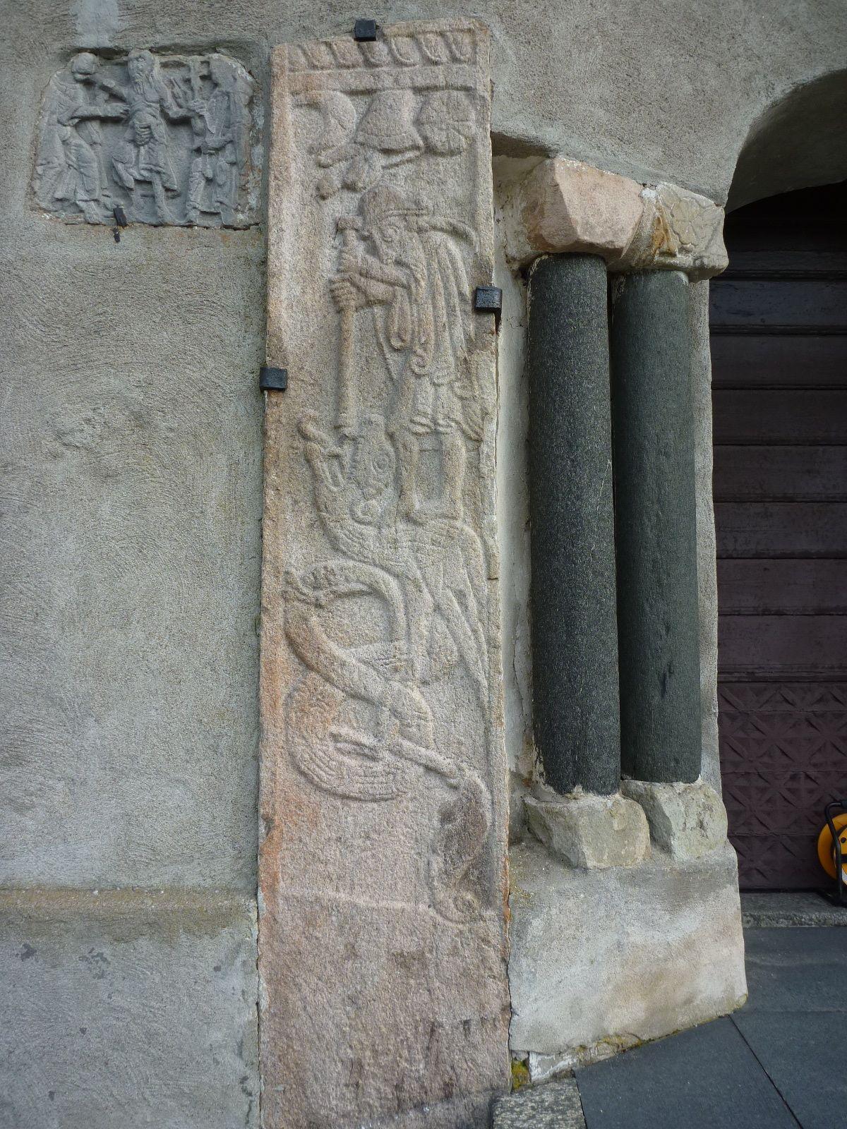 5 Sankt Göran- och Tomas-relieferna efter rengöring.jpg