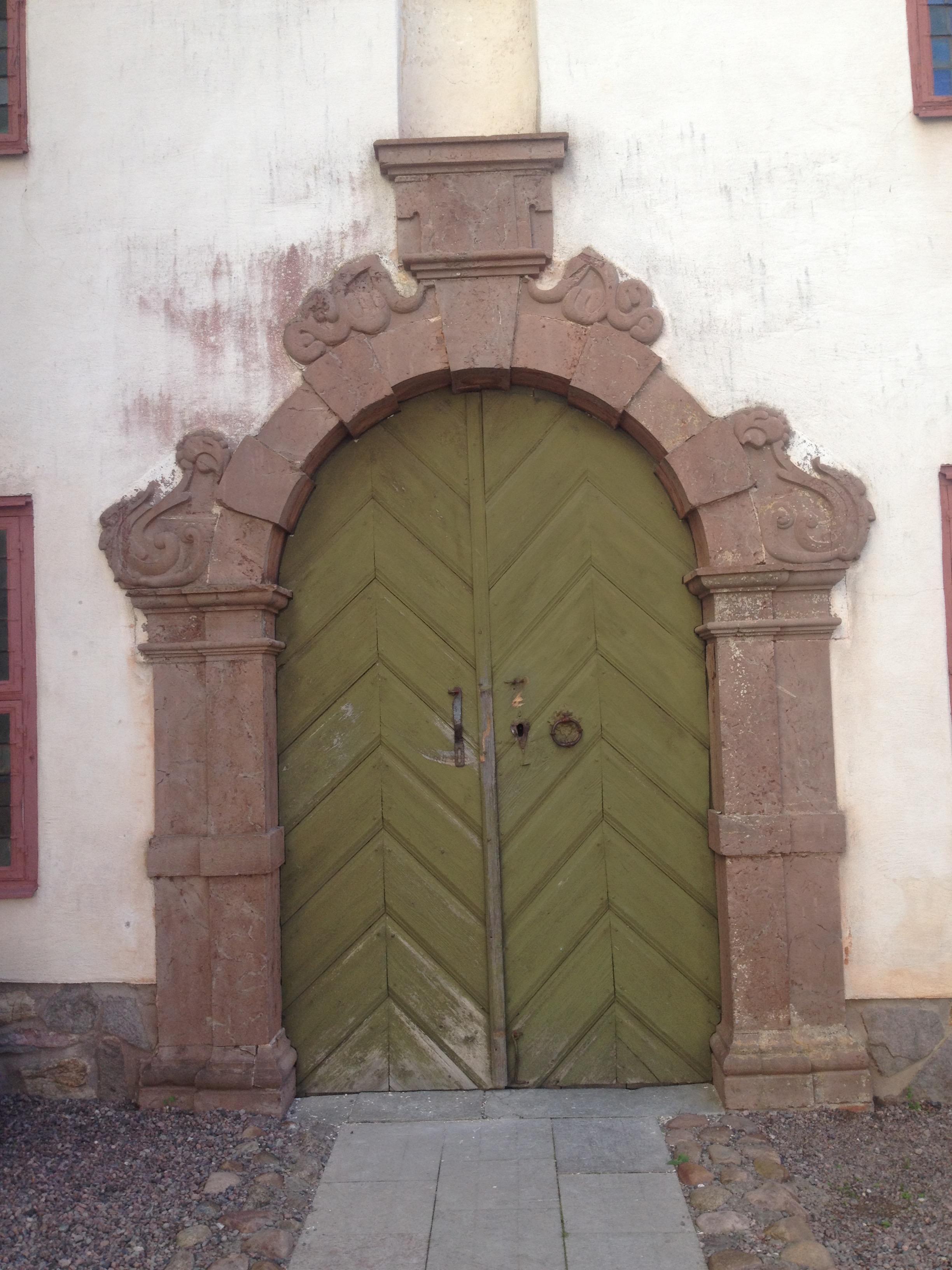 Portalen till slottskyrkan